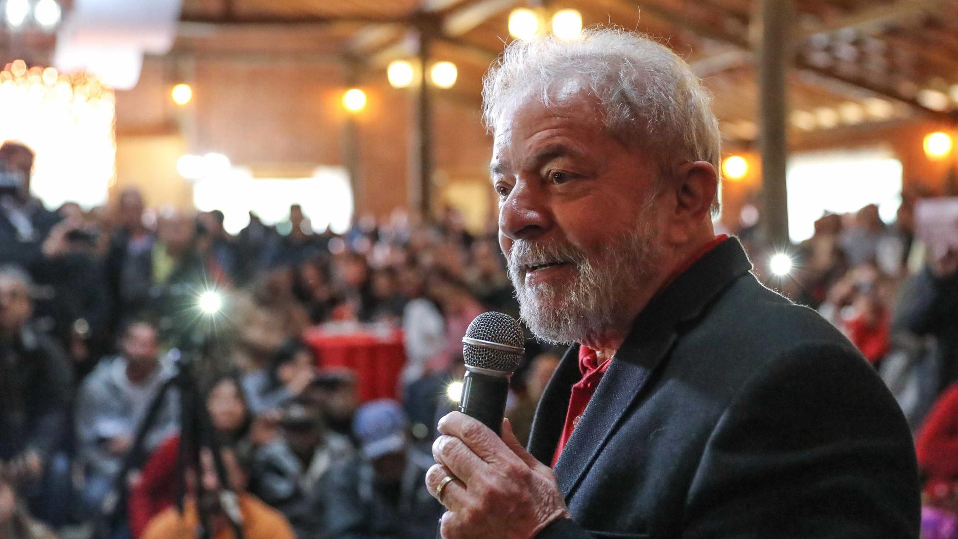 Acho que o Moro é surdo e não ouve o que eu falo, diz Lula