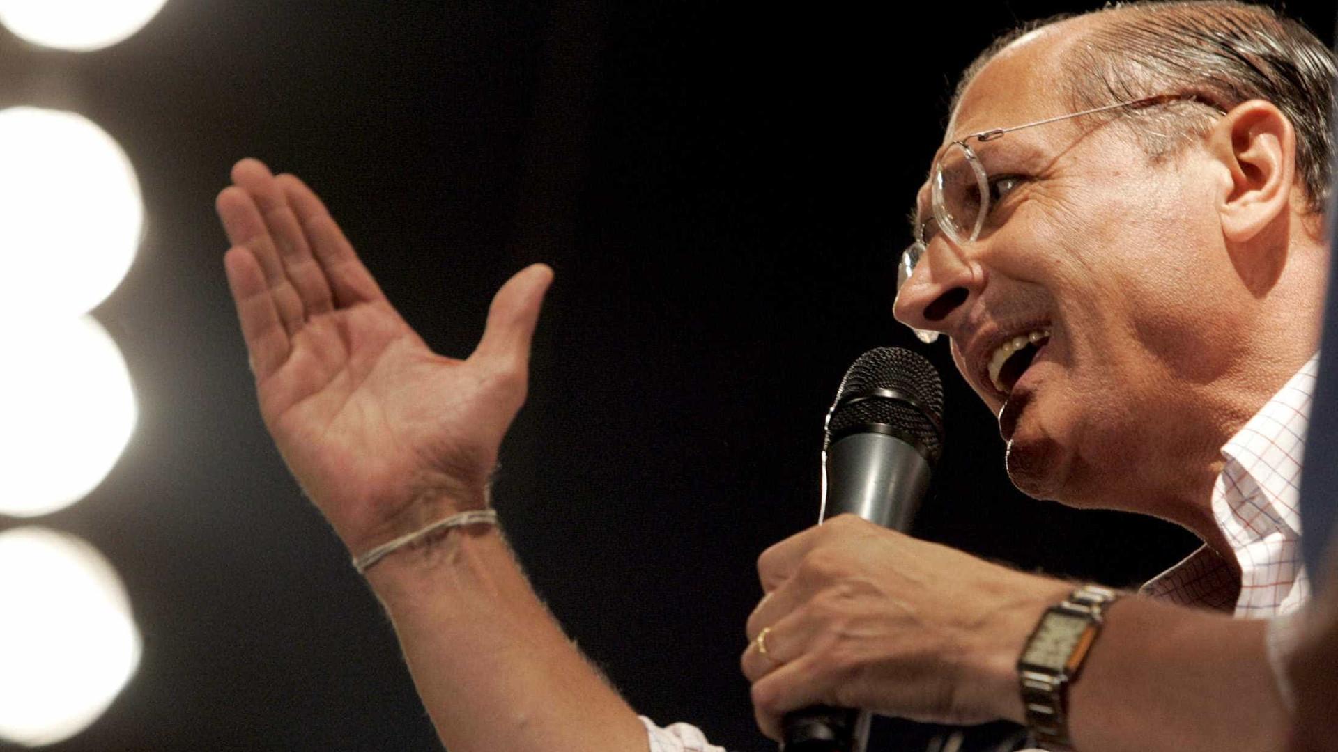 Após Tasso desistir, Alckmin decide ser candidato à presidência do PSDB