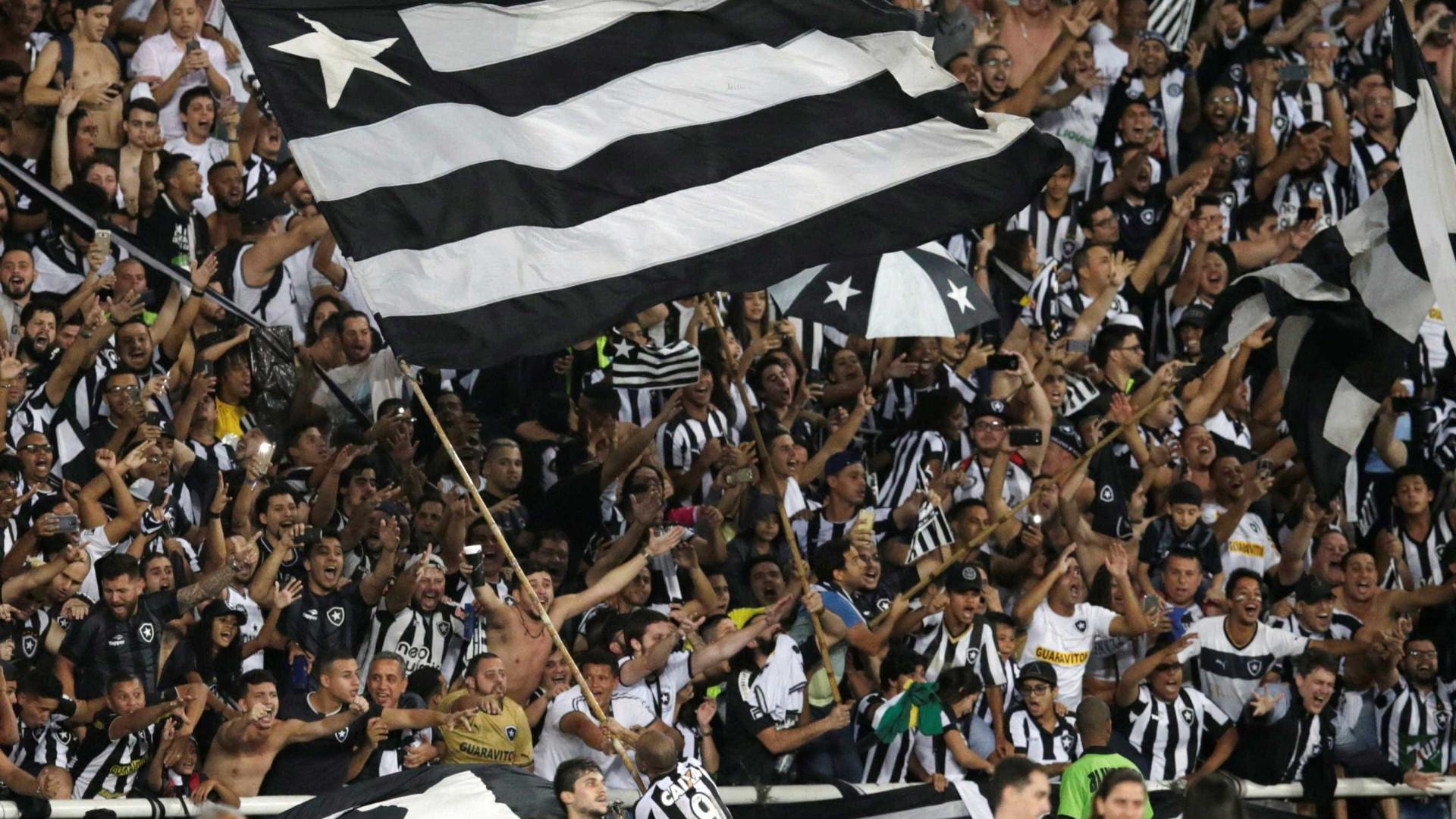 Torcida do Flamengo esgota ingressos para clássico contra o Botafogo