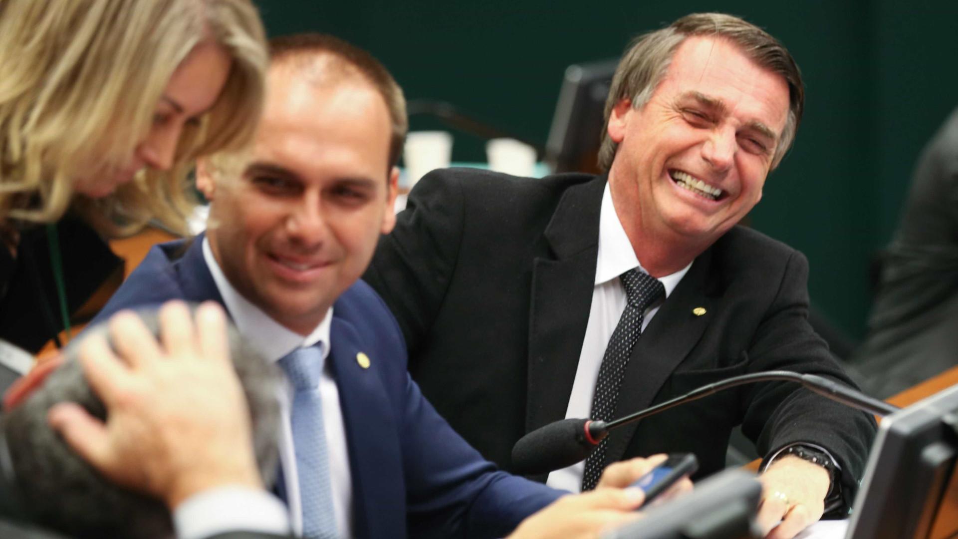 Jair Bolsonaro empregou a mulher na Câmara dos Deputados