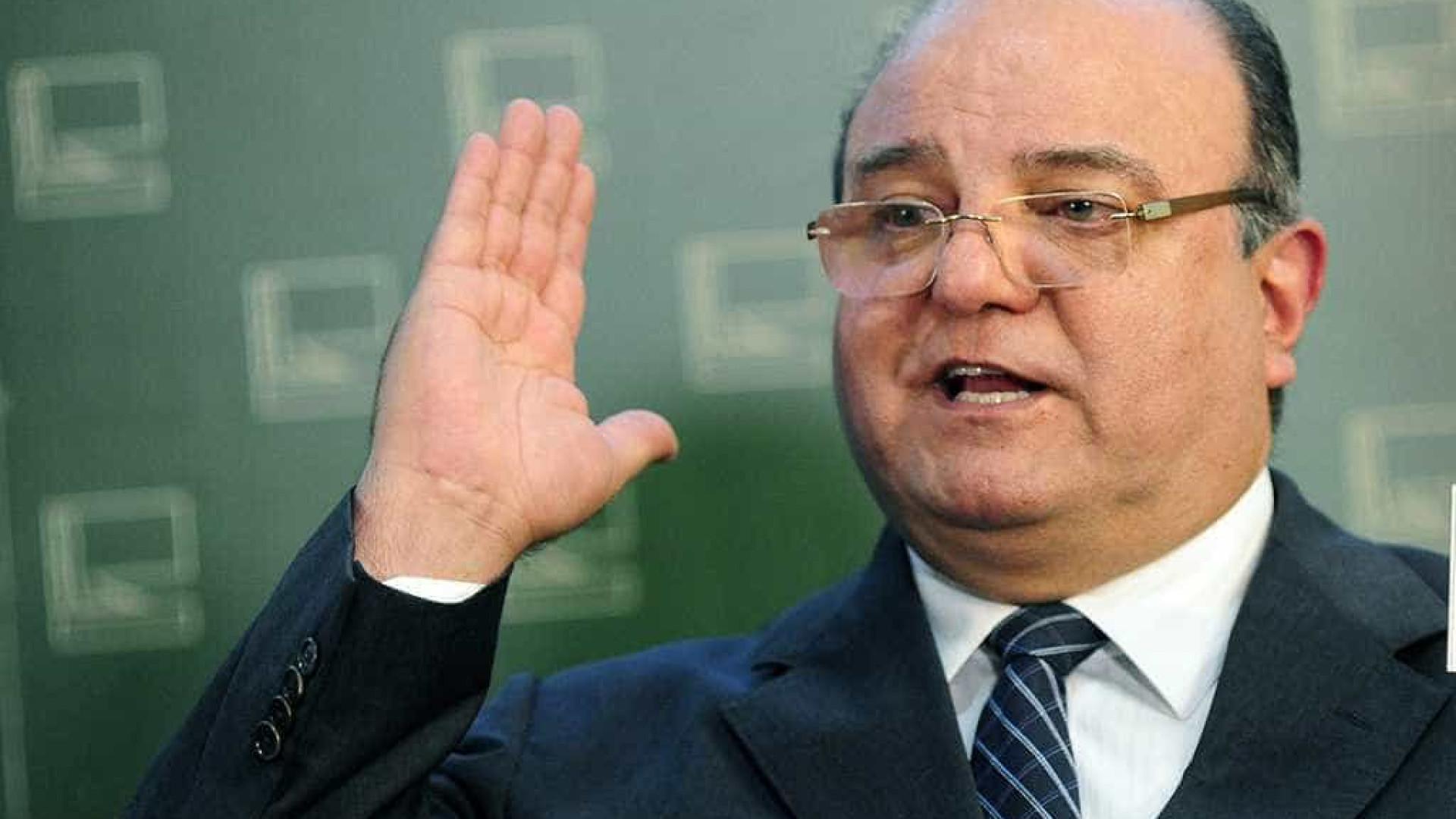 Ex-líder do PT na Câmara, Vaccarezza pode deixar prisão nesta terça