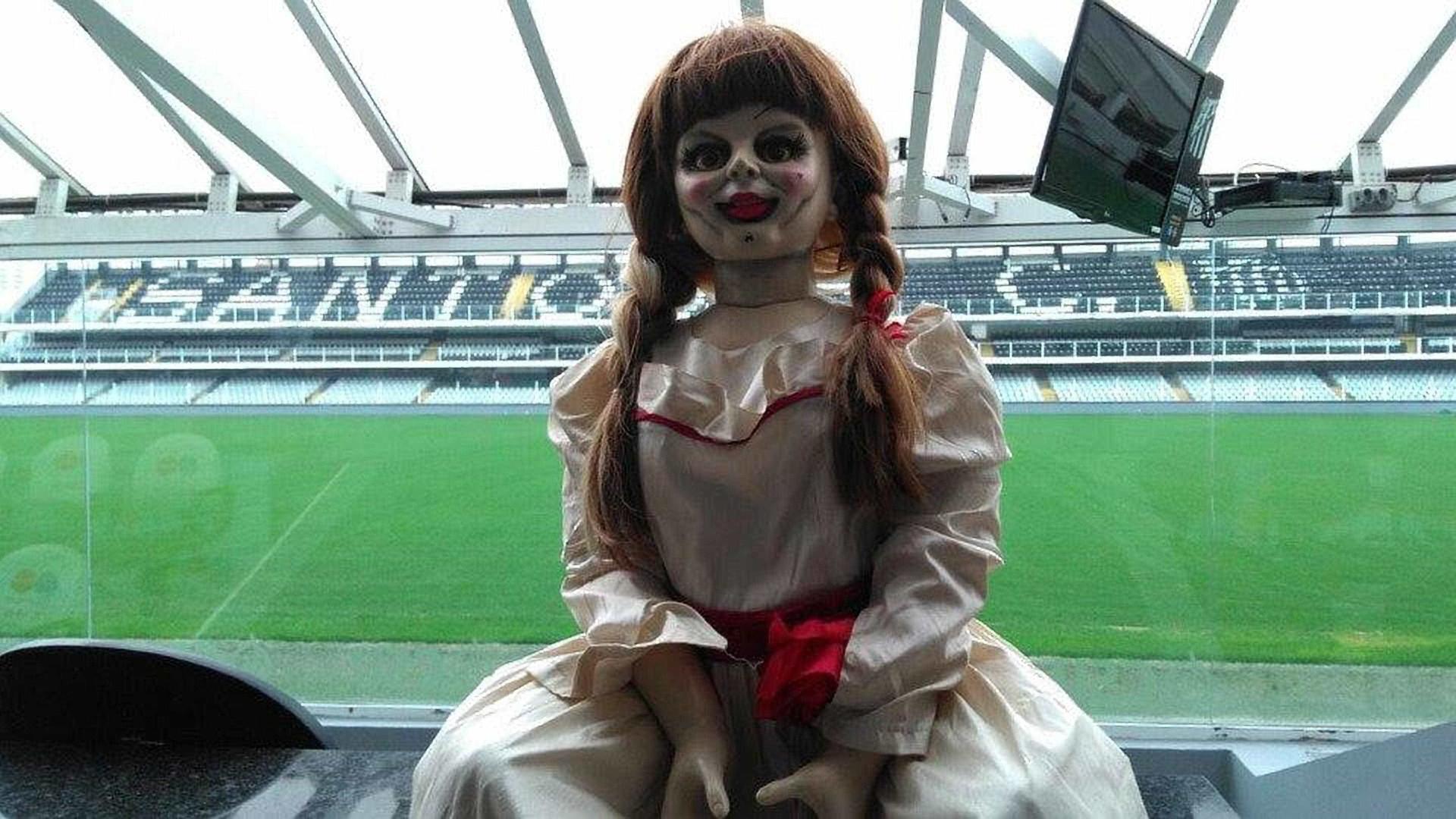 'Annabelle 2': boneca do mal viraliza em passeios e selfies com fãs