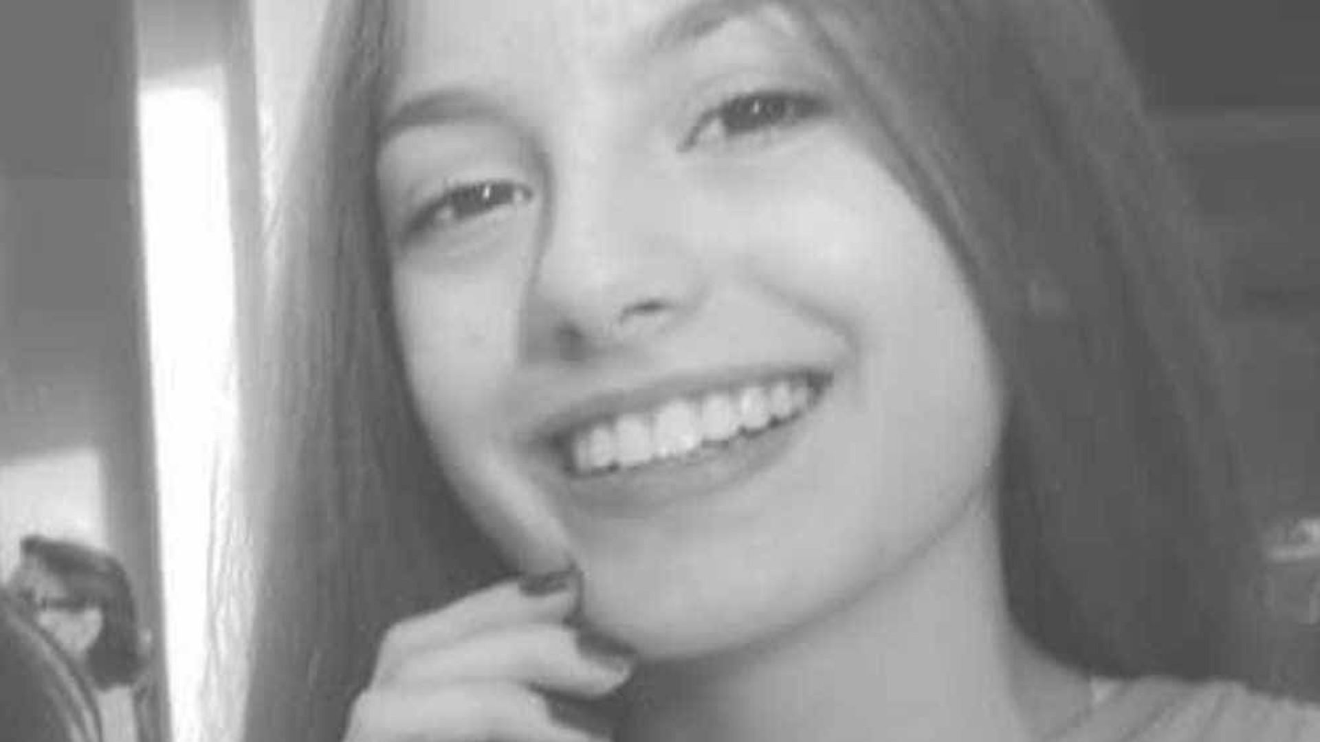 Imagens mostram adolescente que matou vizinha entrando em elevador