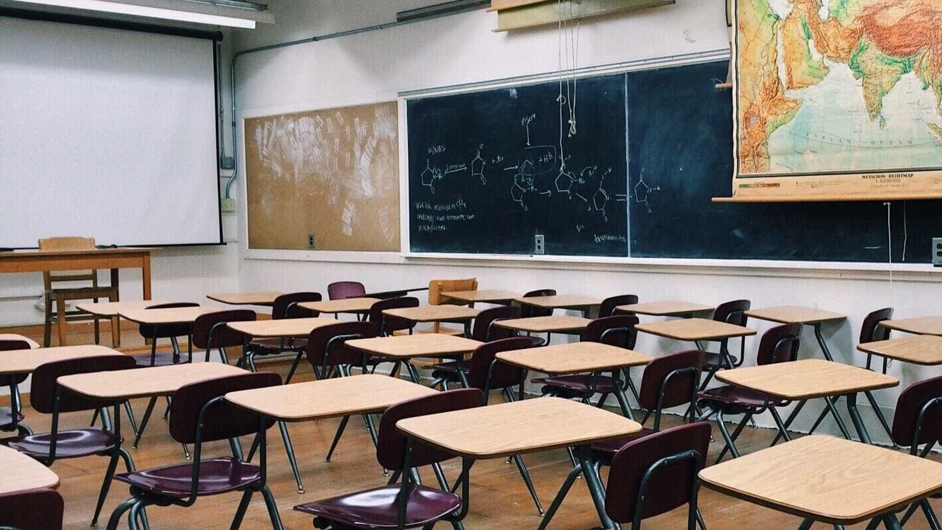 Ensino médio: novo currículo será dividido em áreas, e não disciplinas