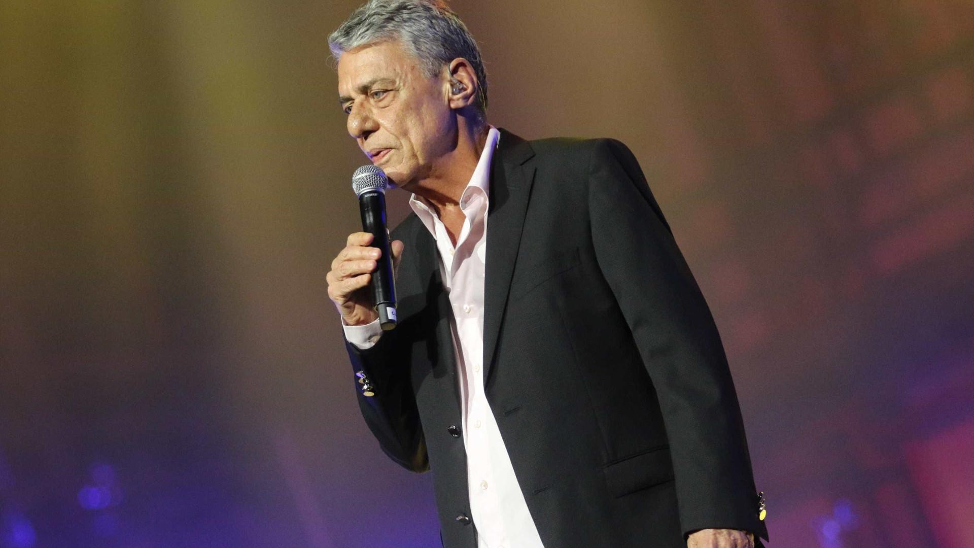 Chico Buarque e Caetano Veloso participam de ato com Haddad nesta terça