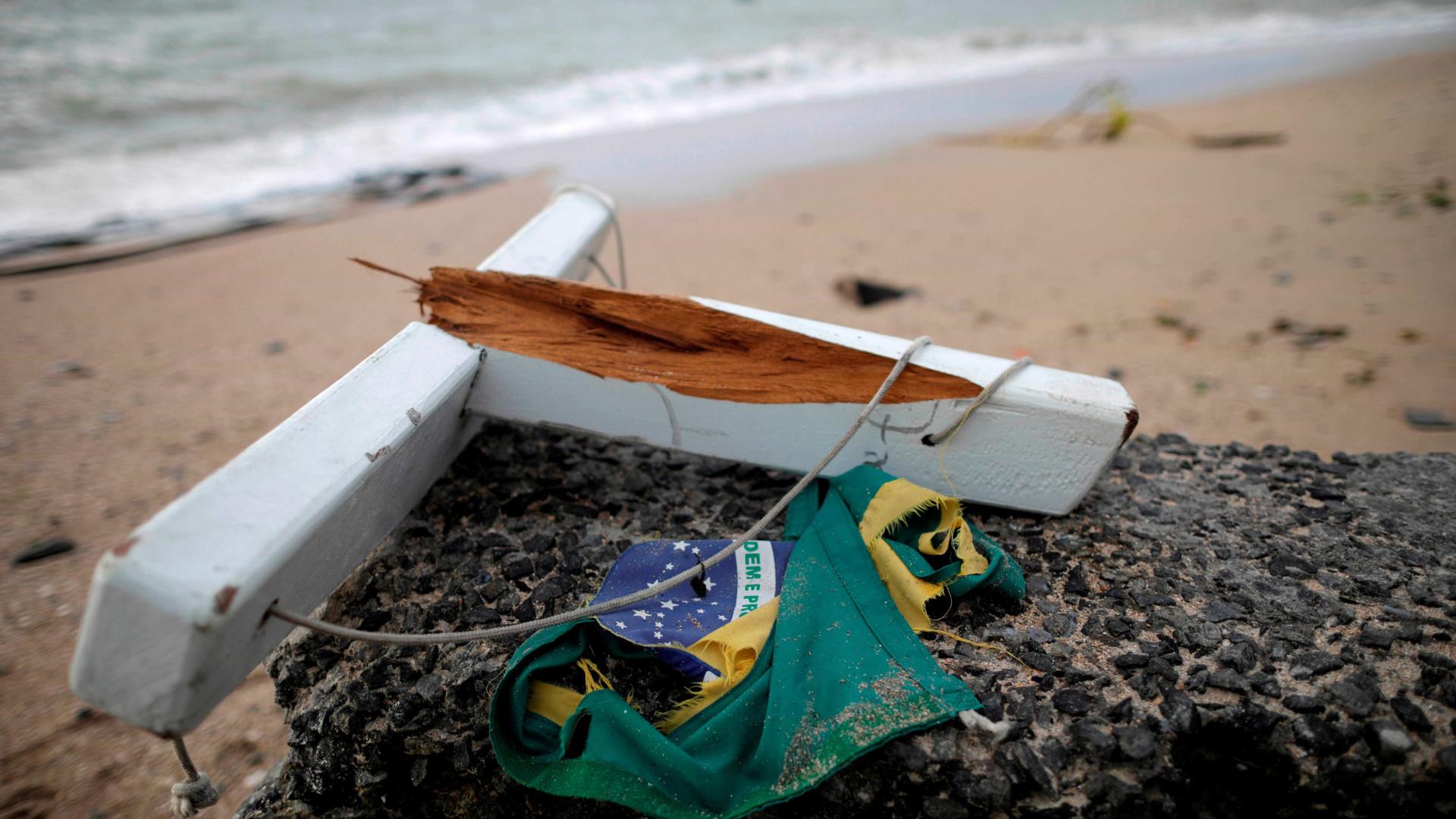 Embarcações naufragam e deixam mortos e desaparecidos em Itaguaí (RJ)