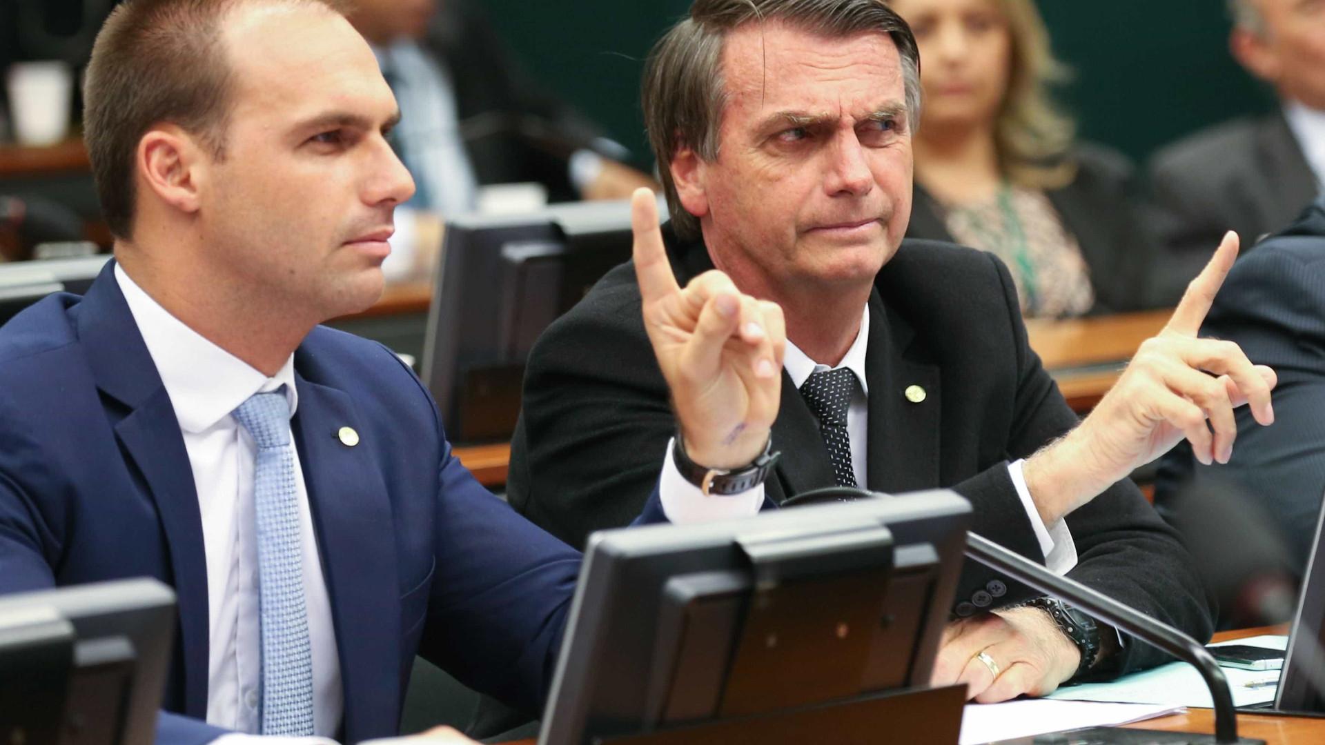 'Já adverti o garoto', diz Bolsonaro sobre filho falar em fechar STF