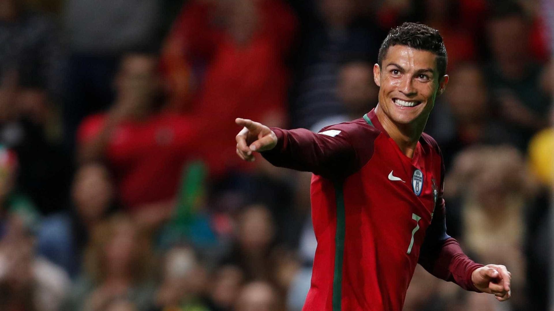 Portugal goleia e Cristiano Ronaldo bate marca de Pelé