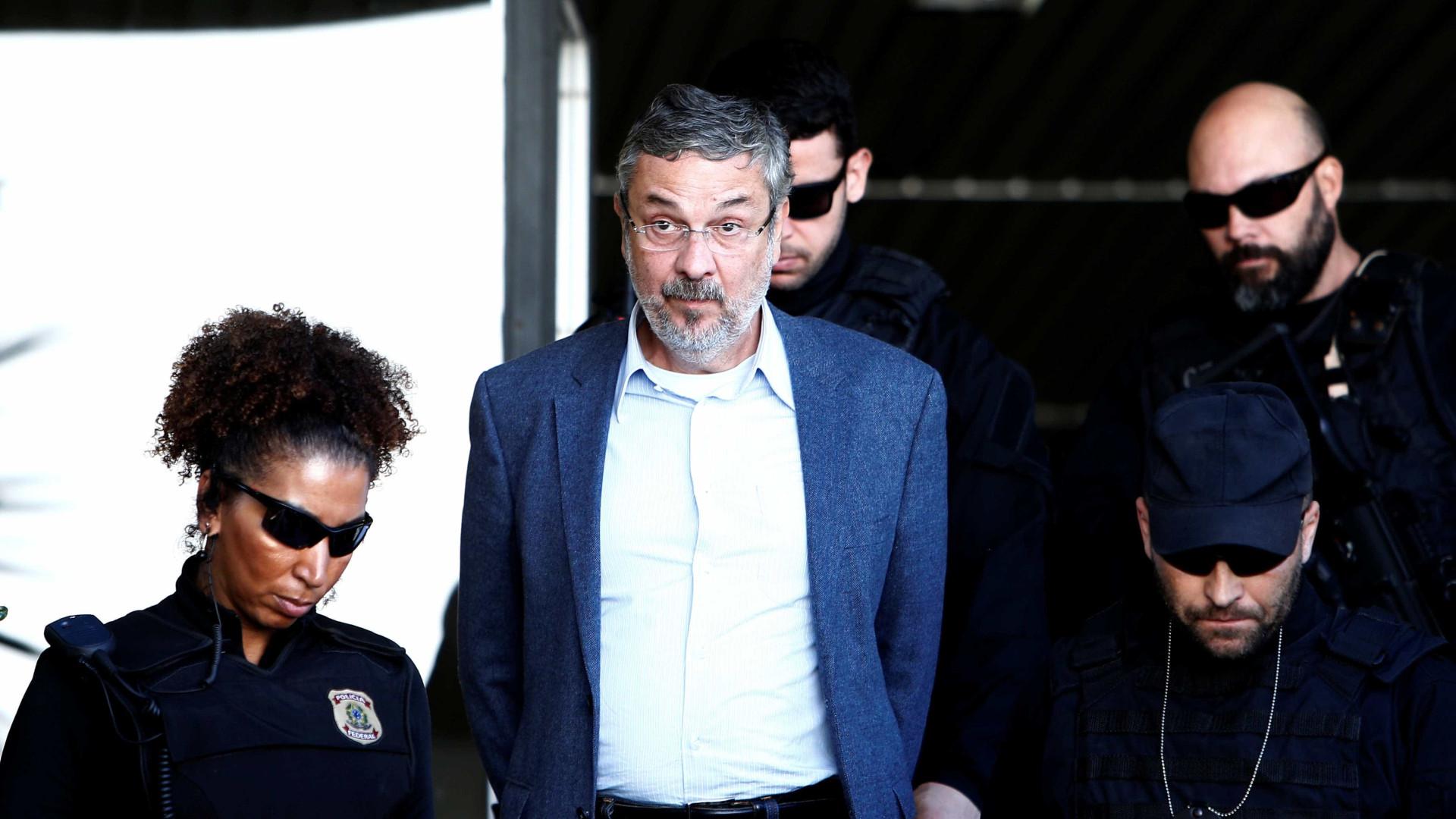 Campanha de Lula recebeu US$ 40 milhões do exterior, diz Palocci