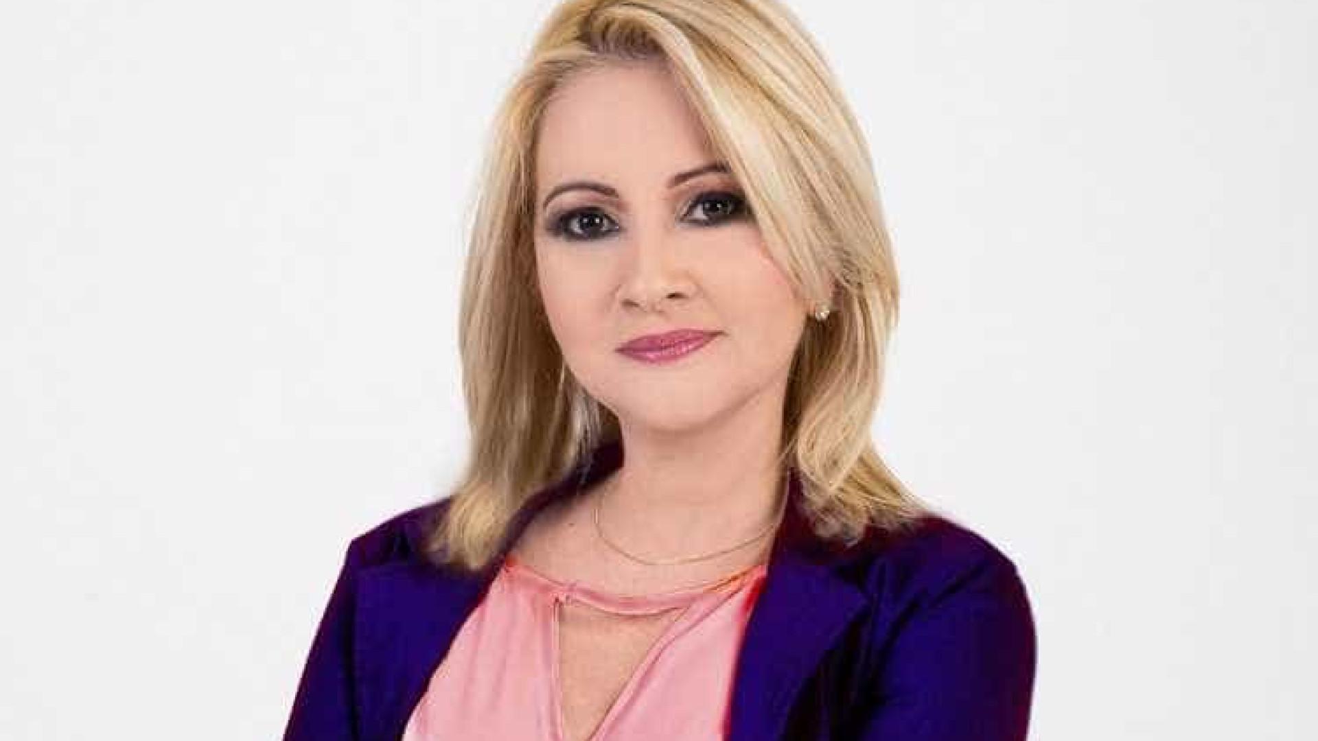 Prefeita de MG é presa por envolvimento em morte de jornalista