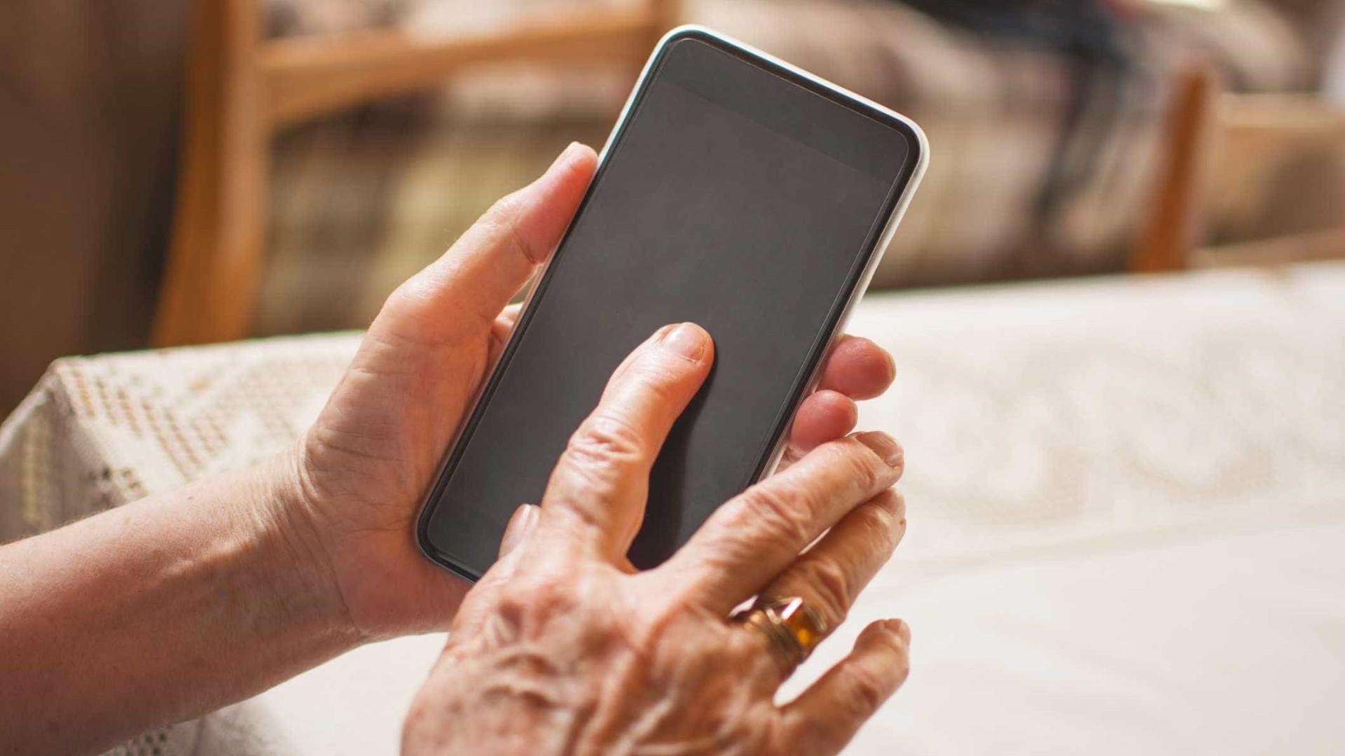 Smartphones espionam nossos movimentos, diz especialista