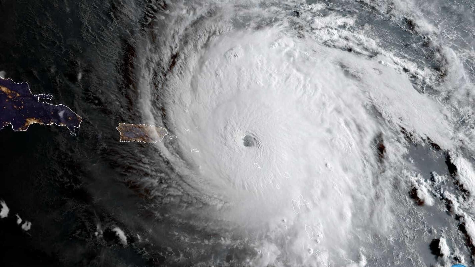 Avião com brasileiros tirados de ilha afetada por furacão chega ao país