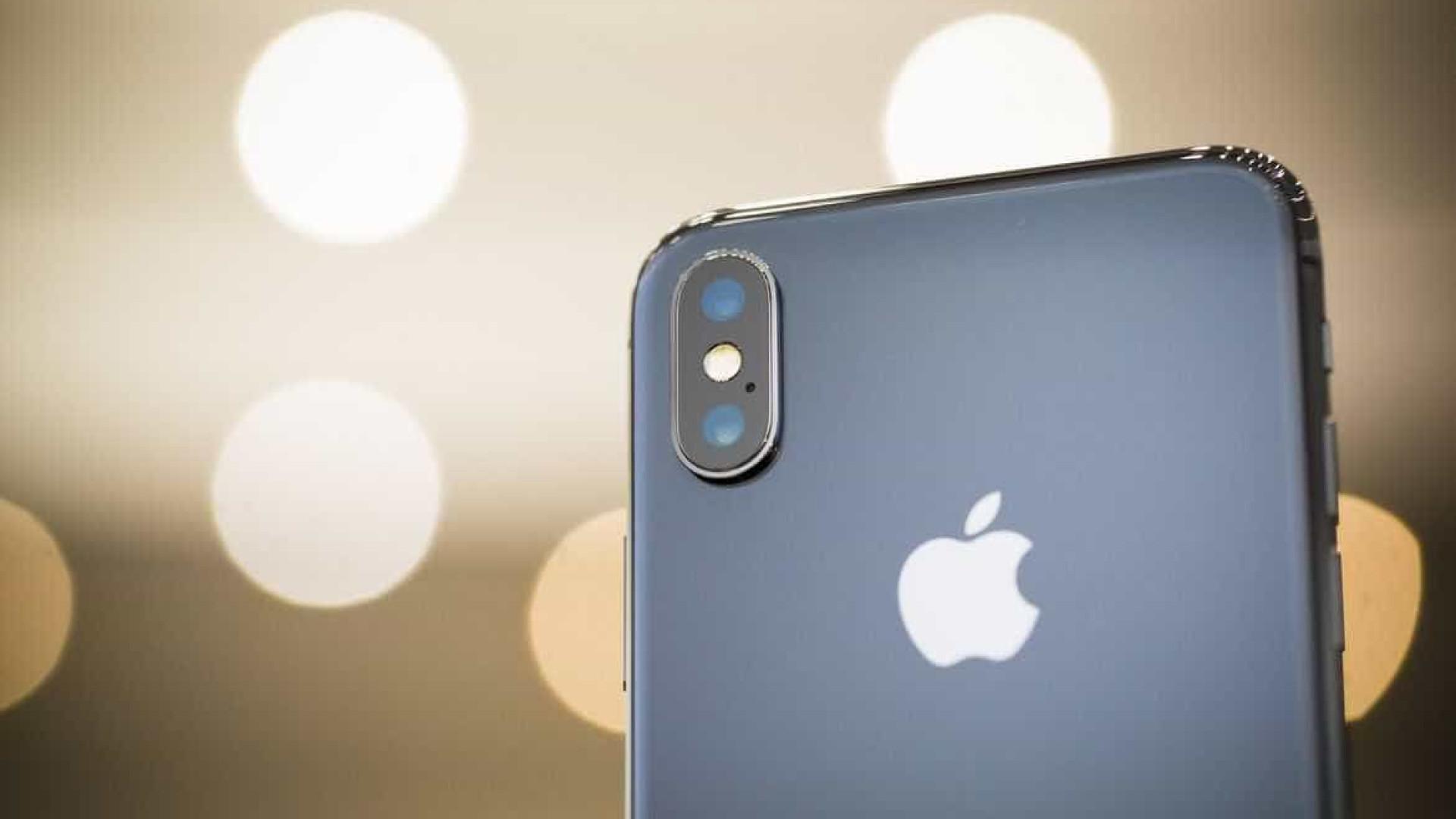 Fila de assistência em loja é maior do que de fãs para comprar iPhone X