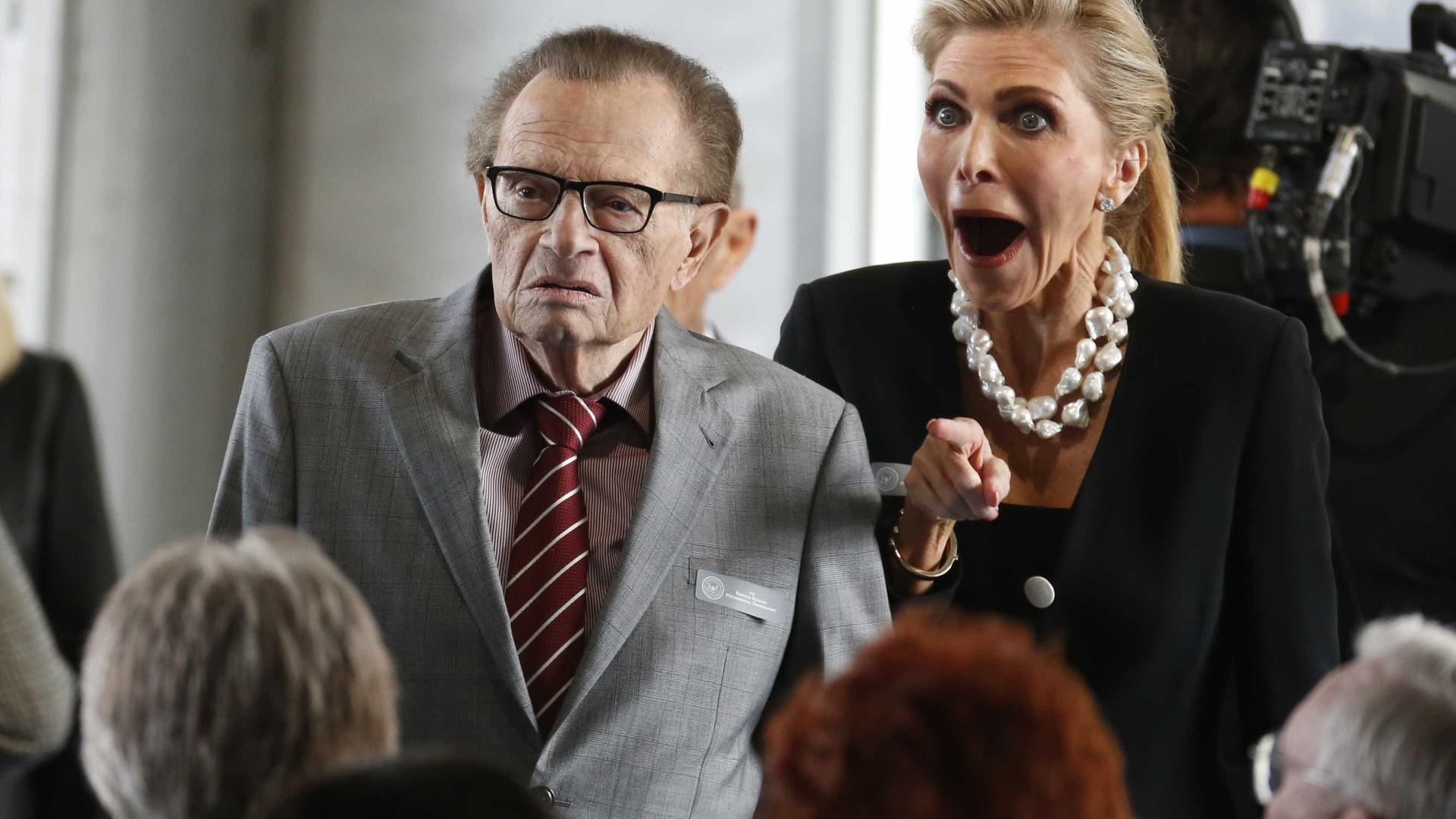 Apresentador de TV Larry King divulga que se curou de câncer de pulmão