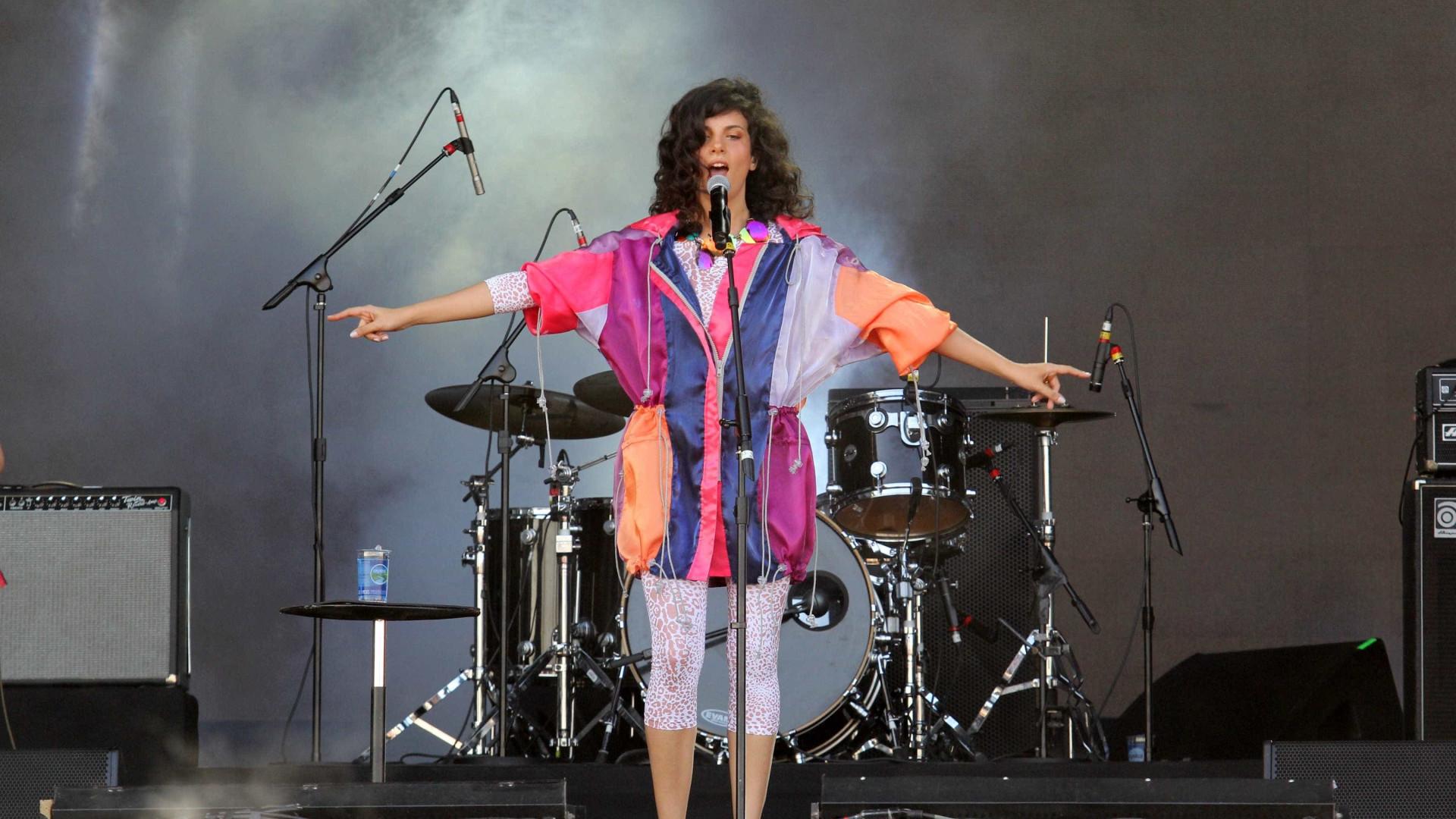 Rock in Rio acerta em cheio ao reunir a cantora Céu e Boogarins em show