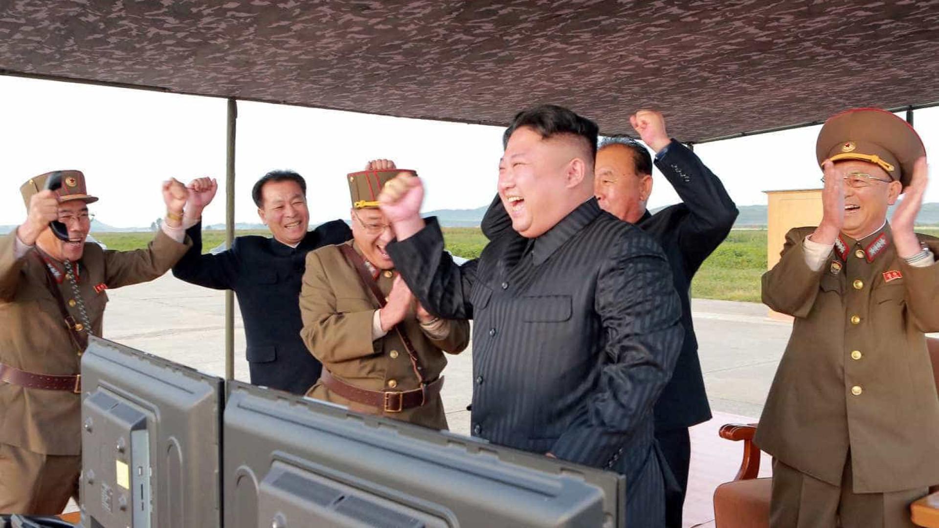 Coreia do Norte ameaça 'afundar' Japão e reduzir EUA 'às cinzas''
