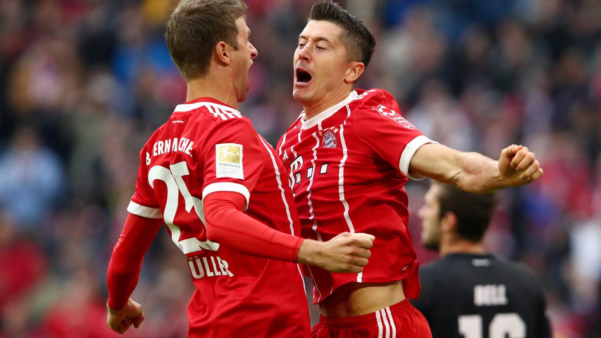 Bayern se recupera, goleia Mainz em casa e está na cola do líder