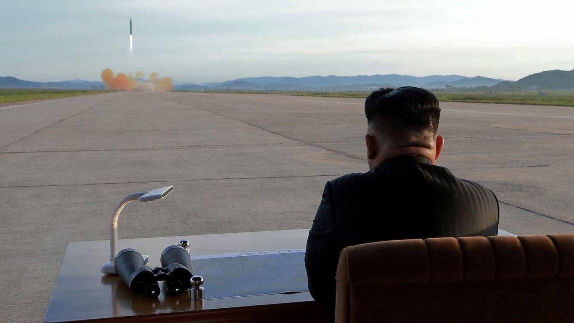 Coreia do Norte declara que manterá programa nuclear