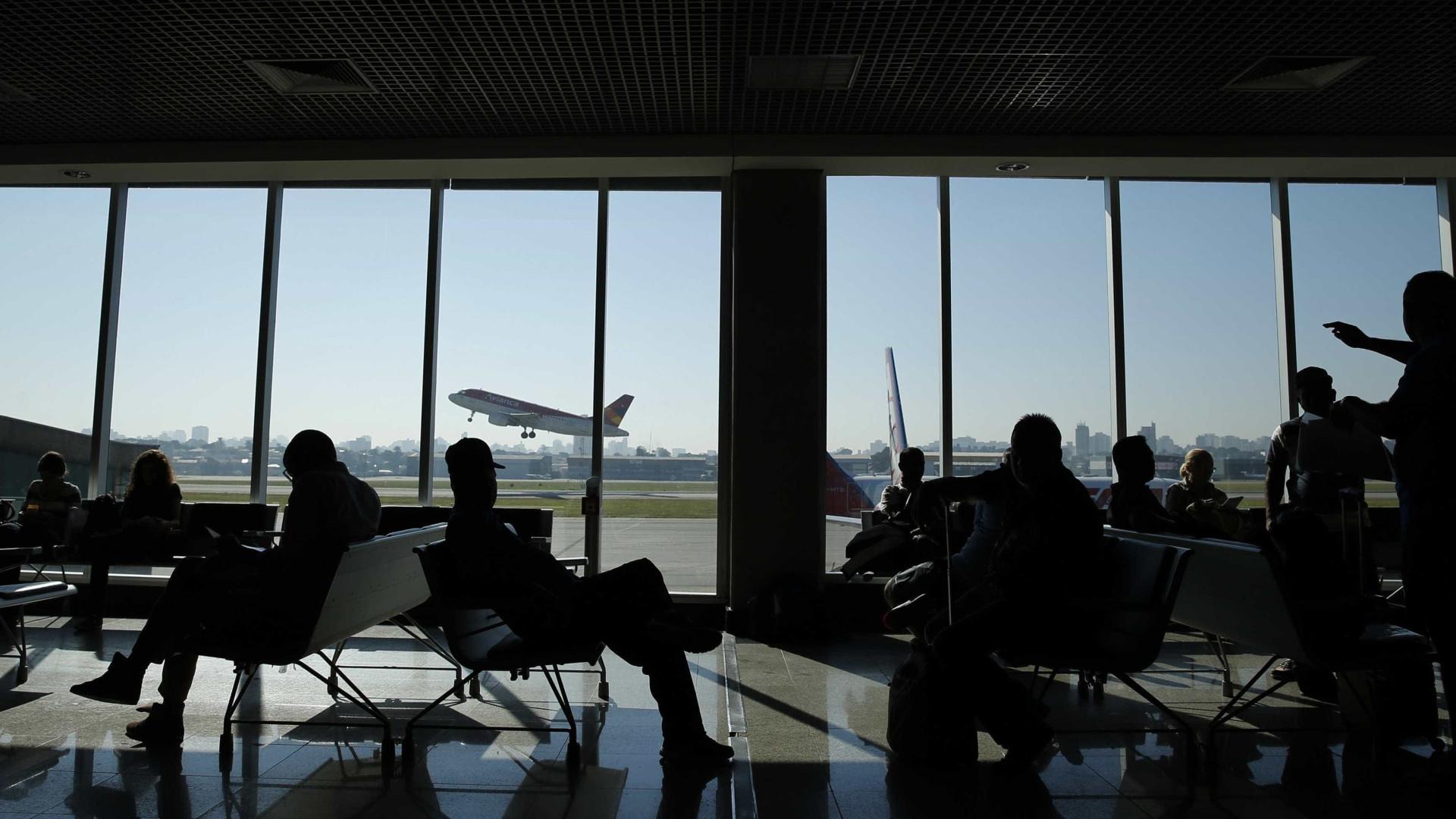 Aeroportos só têm combustível para hoje, diz relatório