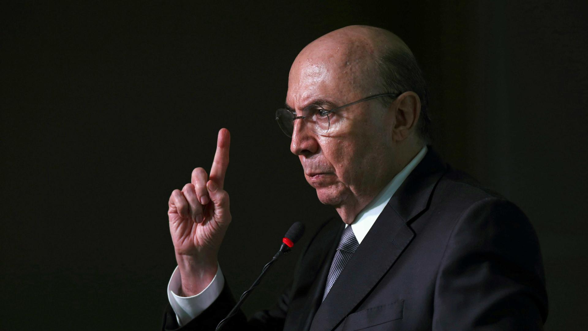 Meirelles: rebaixamento da nota do Brasil foi decisão 'técnica, normal'