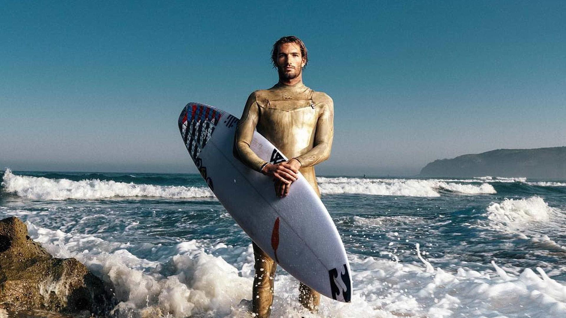 Veja as mulheres e os homens mais bonitos do surfe; fotos