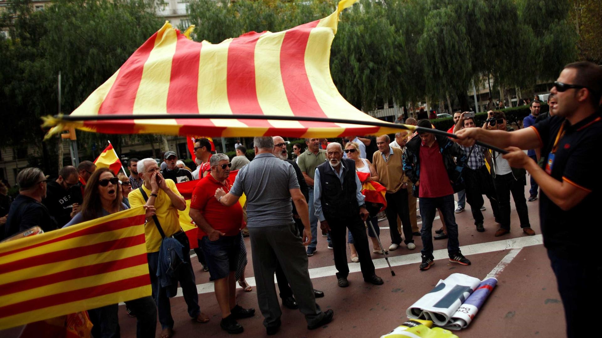 Barcelona tem ato a favor de união e contra independência da Catalunha