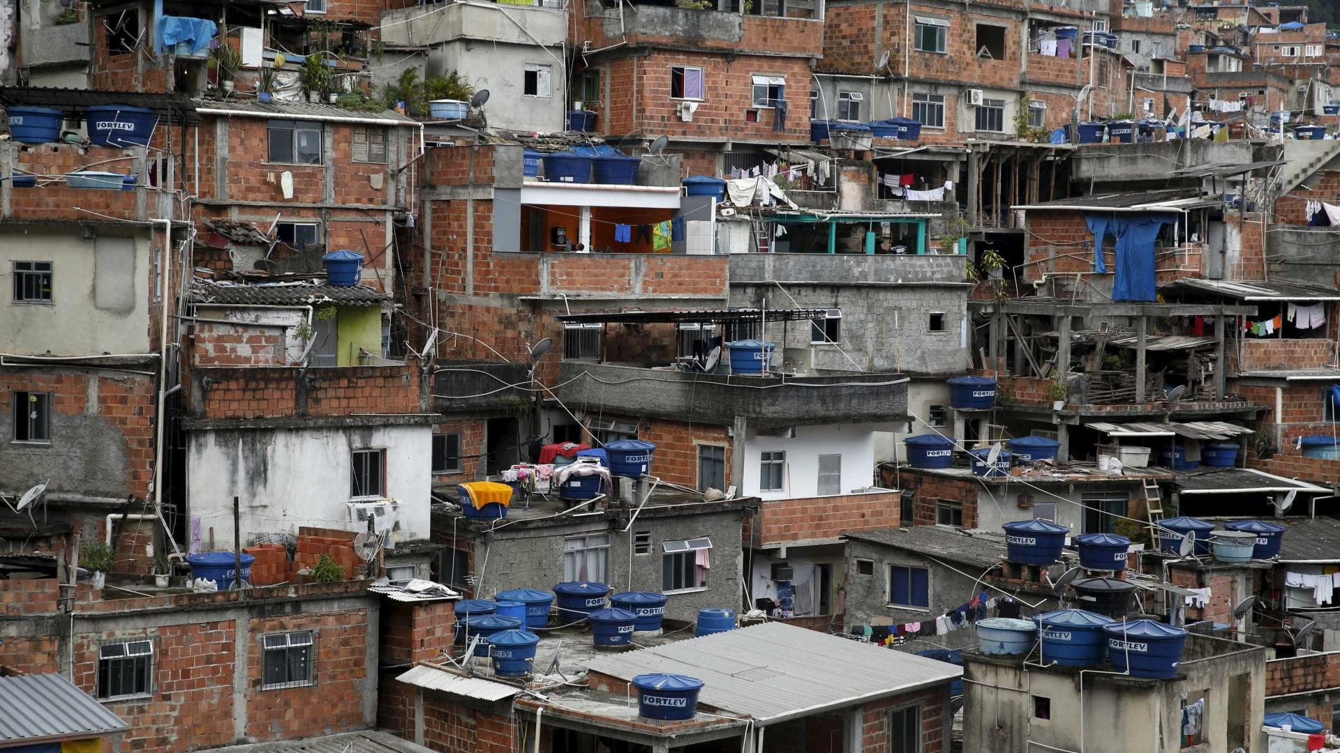Adolescente é baleado em comunidade na zona oeste do Rio