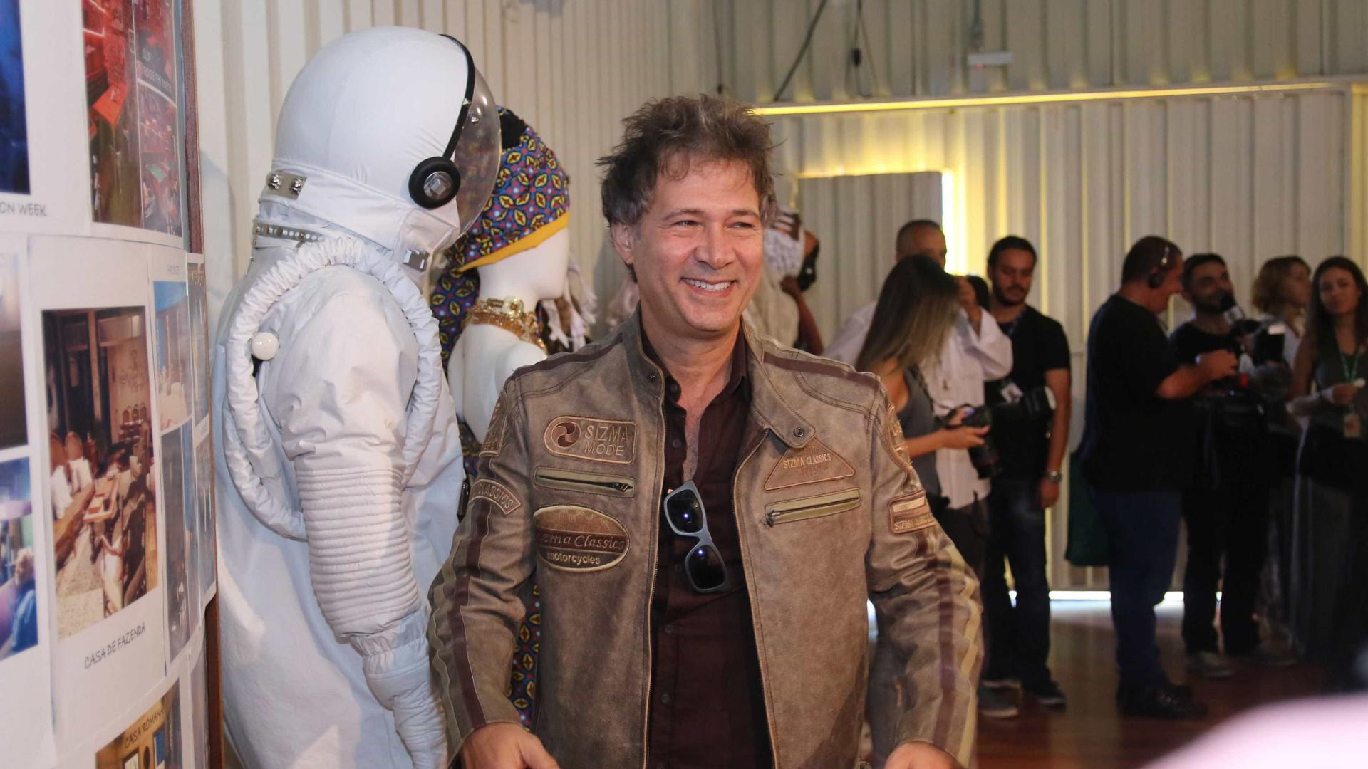 'Acham que todo artista é rico e feliz', diz ator Nelson Freitas