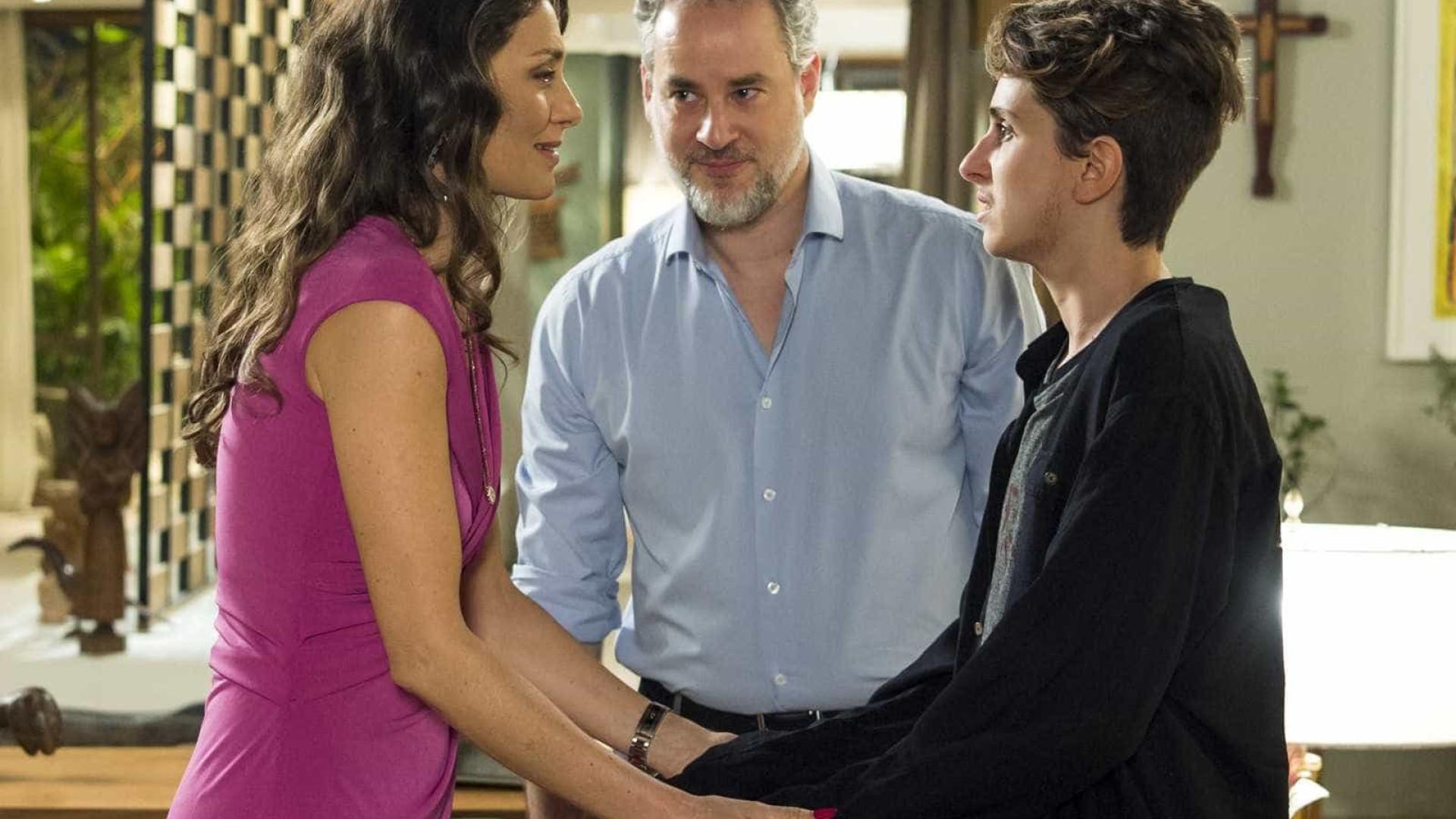 Ivan conta aos pais que está grávido em 'A Força do Querer'