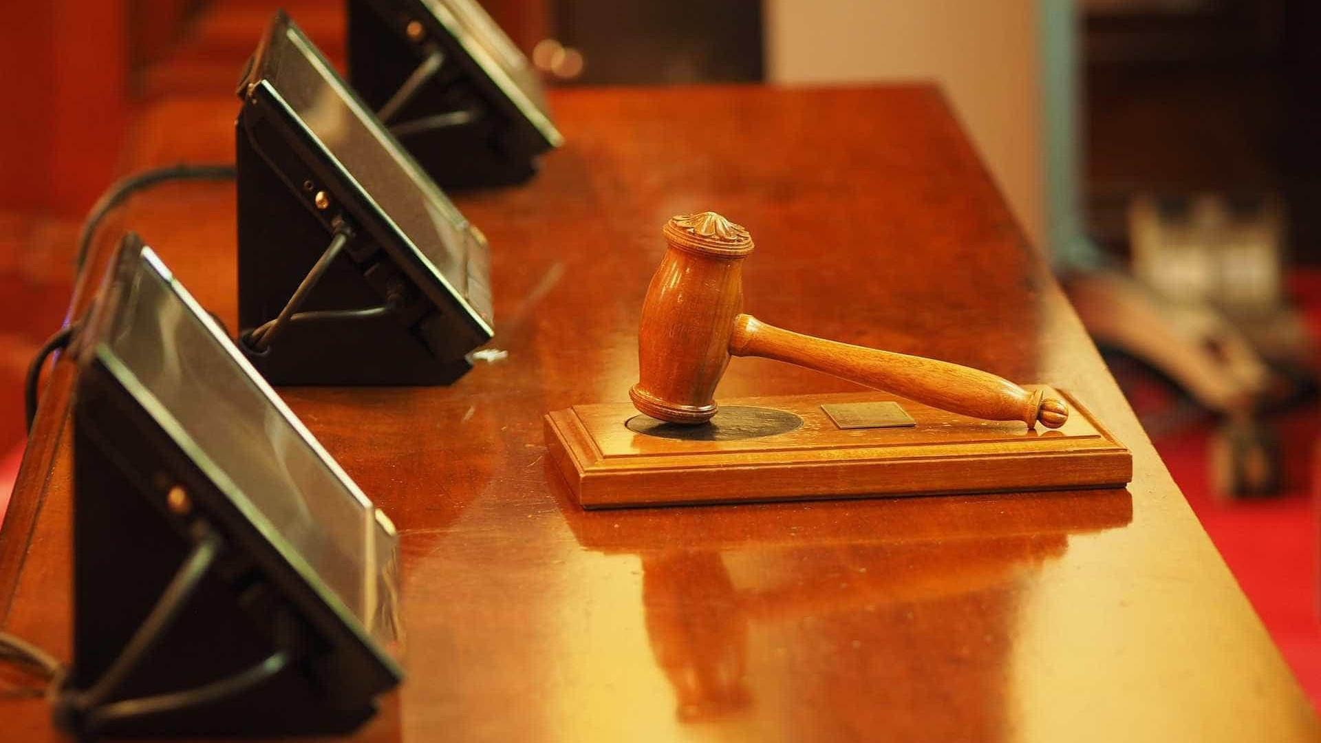 Juiz absolve 17 PMs acusados de integrar grupo de extermínio em GO