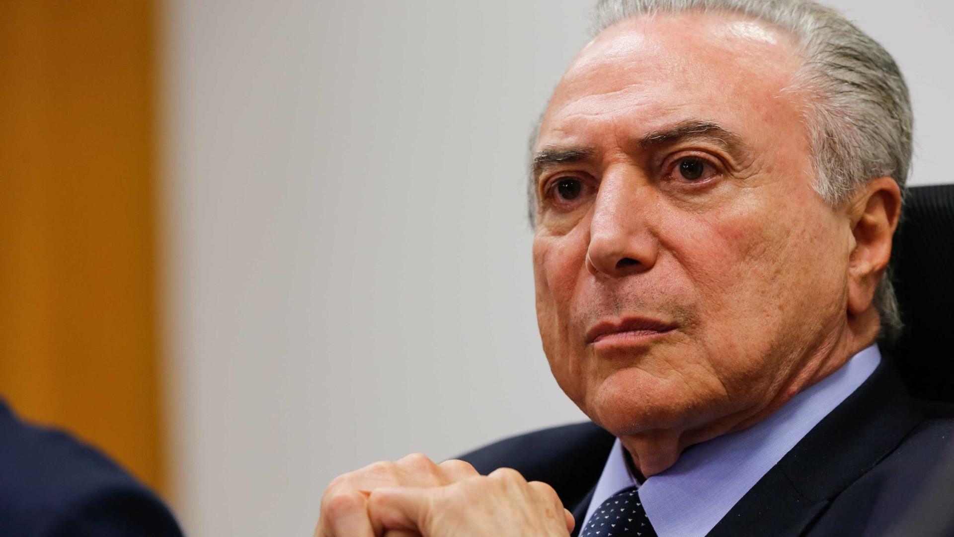 Temer anuncia que vetará emenda que permite censura nas eleições