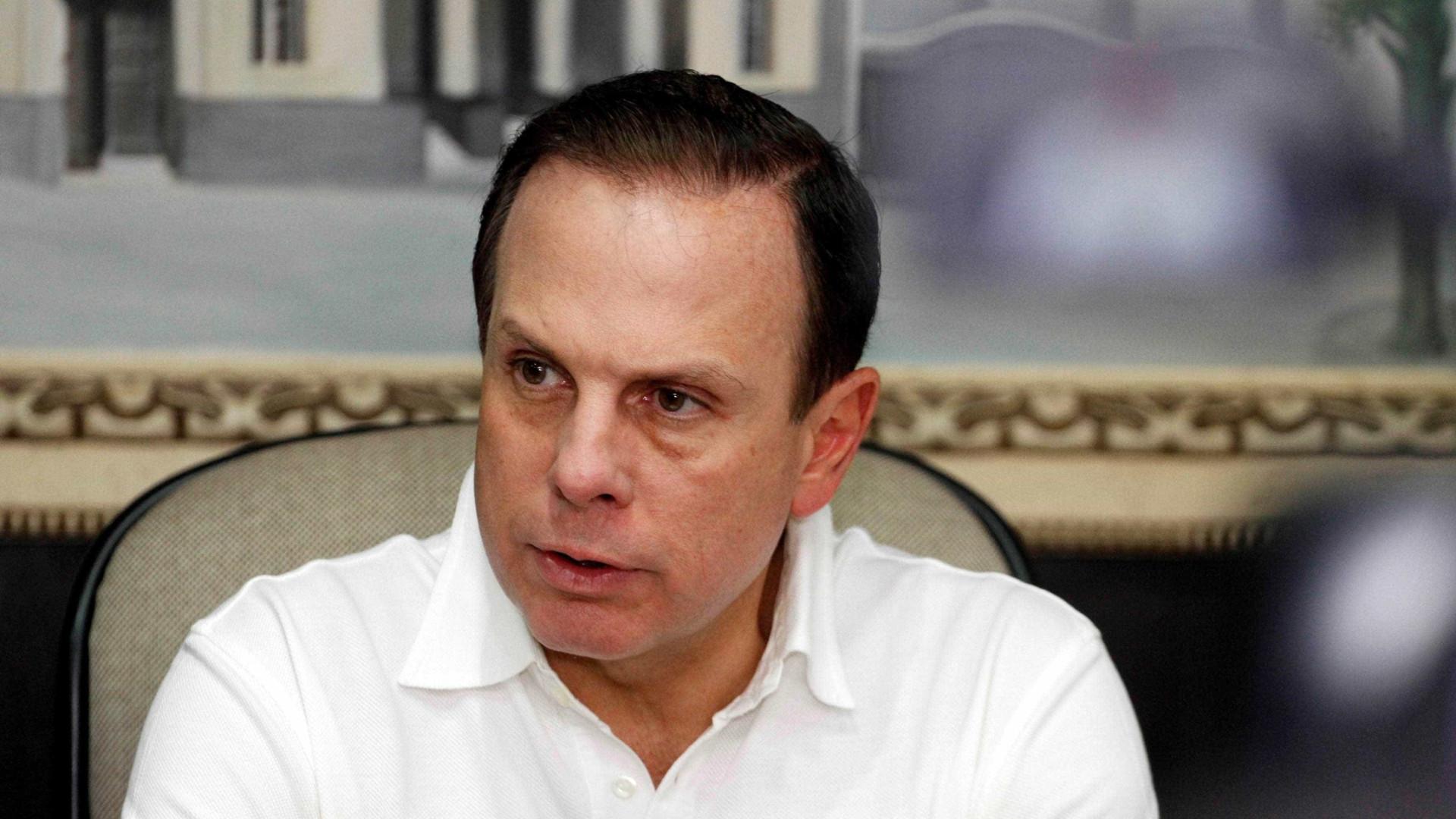 Vereador do PT processa Doria por viatura que fica na rua do prefeito