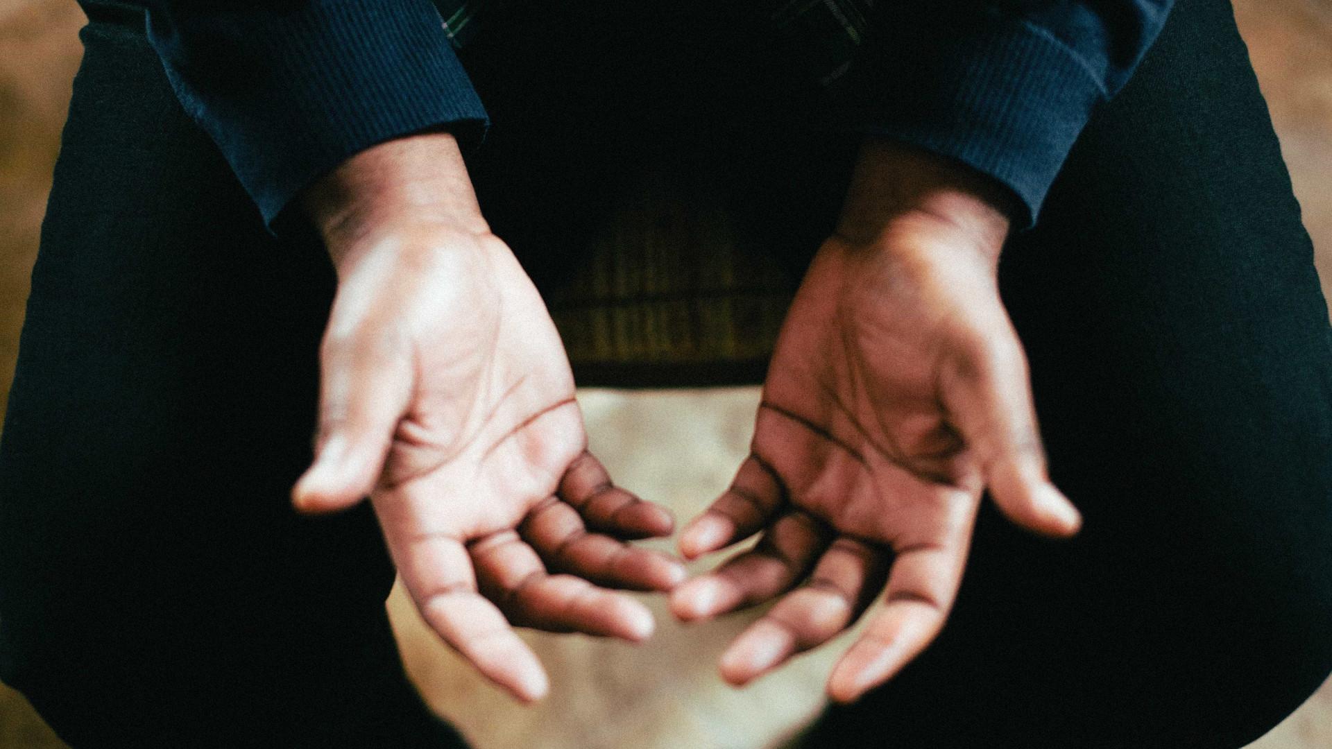 Distonia: entenda o distúrbio que afeta 65 milhões de brasileiros