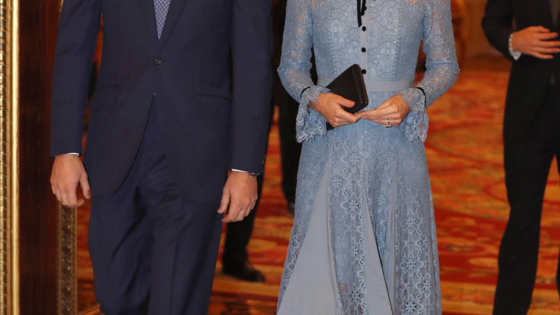 Kate Middleton aparece pela primeira vez após anúncio de gravidez