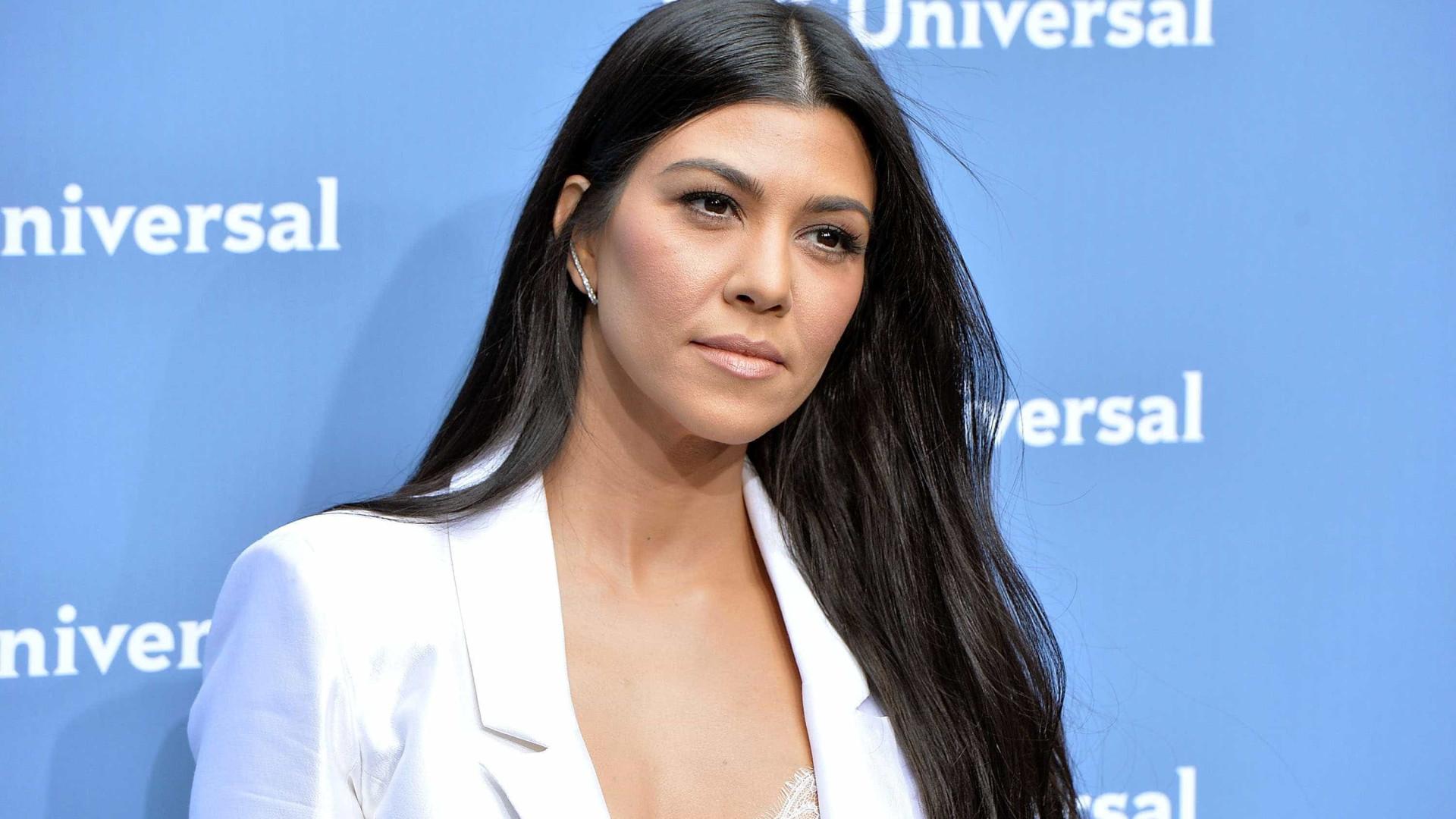 Kourtney Kardashian dá adeus aos longos fios