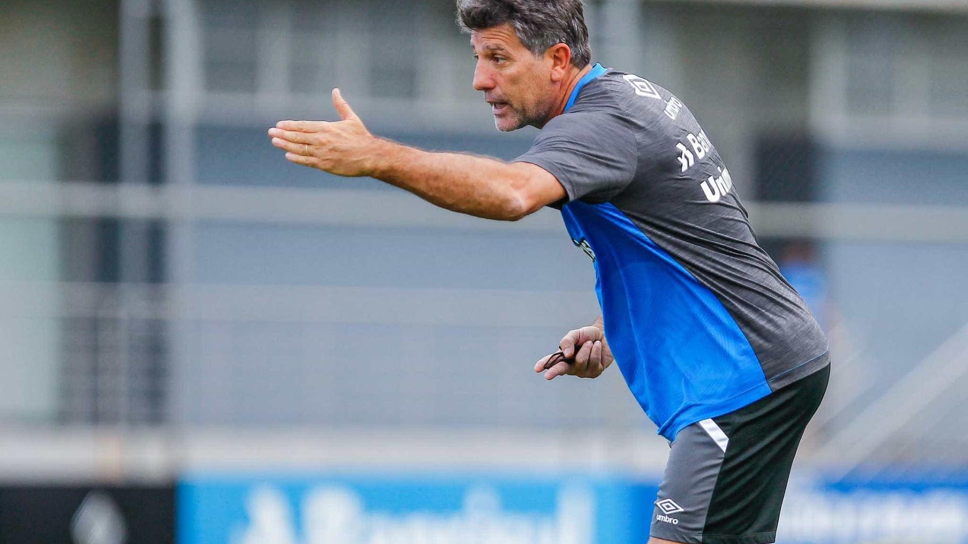 Grêmio vence o Coritiba com gol de Ramiro nos acréscimos