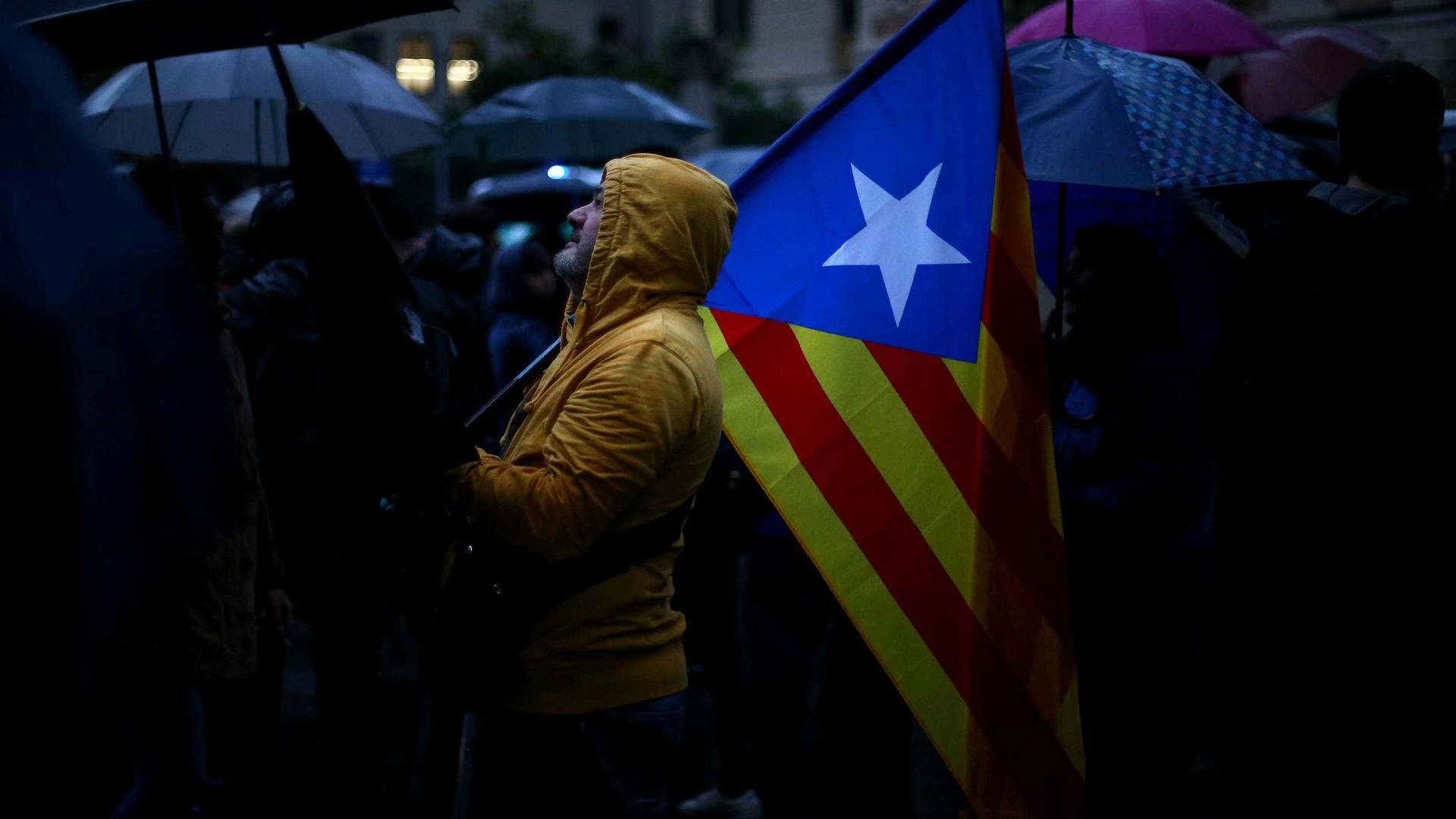 Espanha vive inaceitável tentativa de secessão, diz rei Felipe
