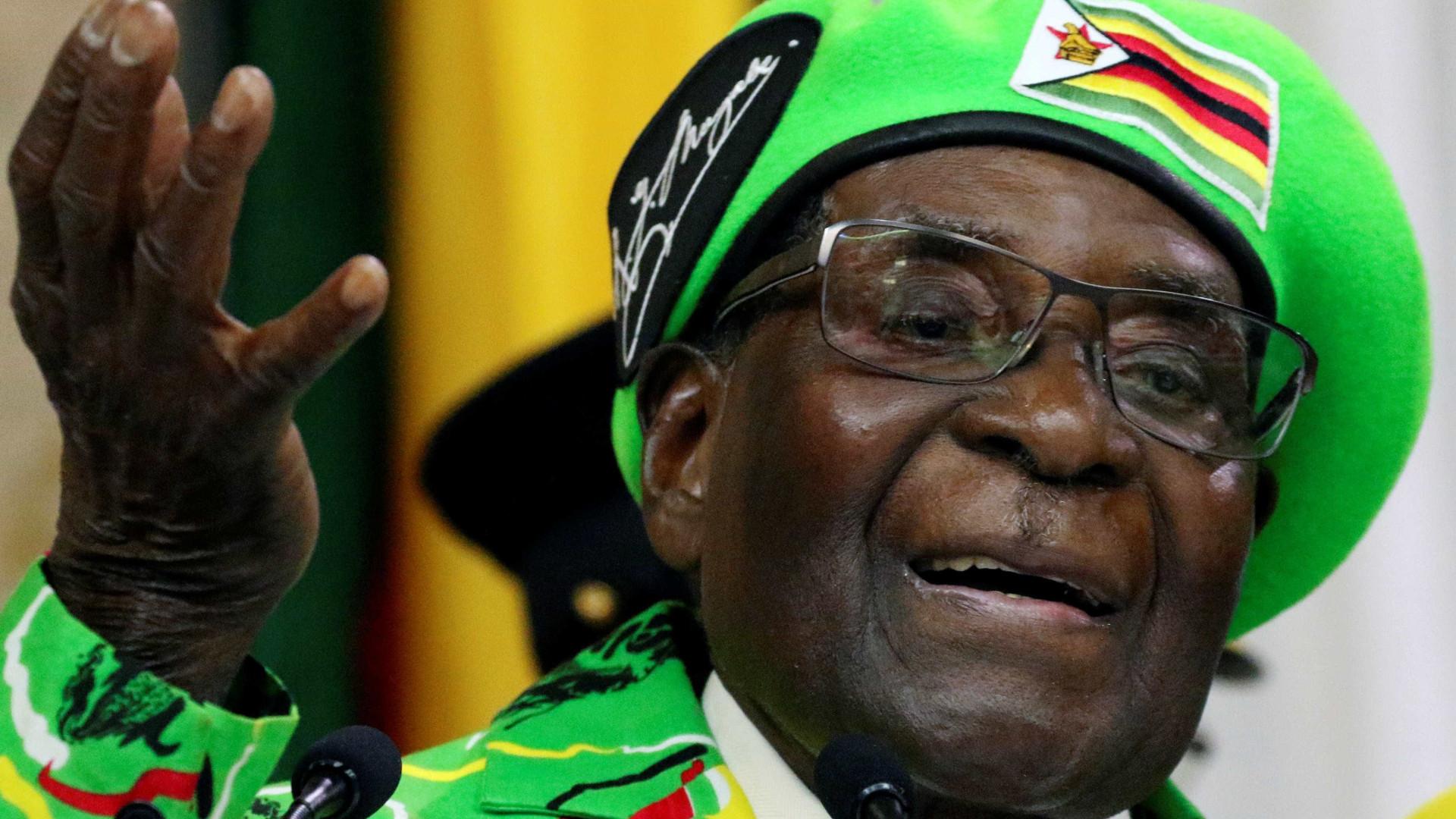 OMS repensa escolha de Mugabe para embaixador da organização