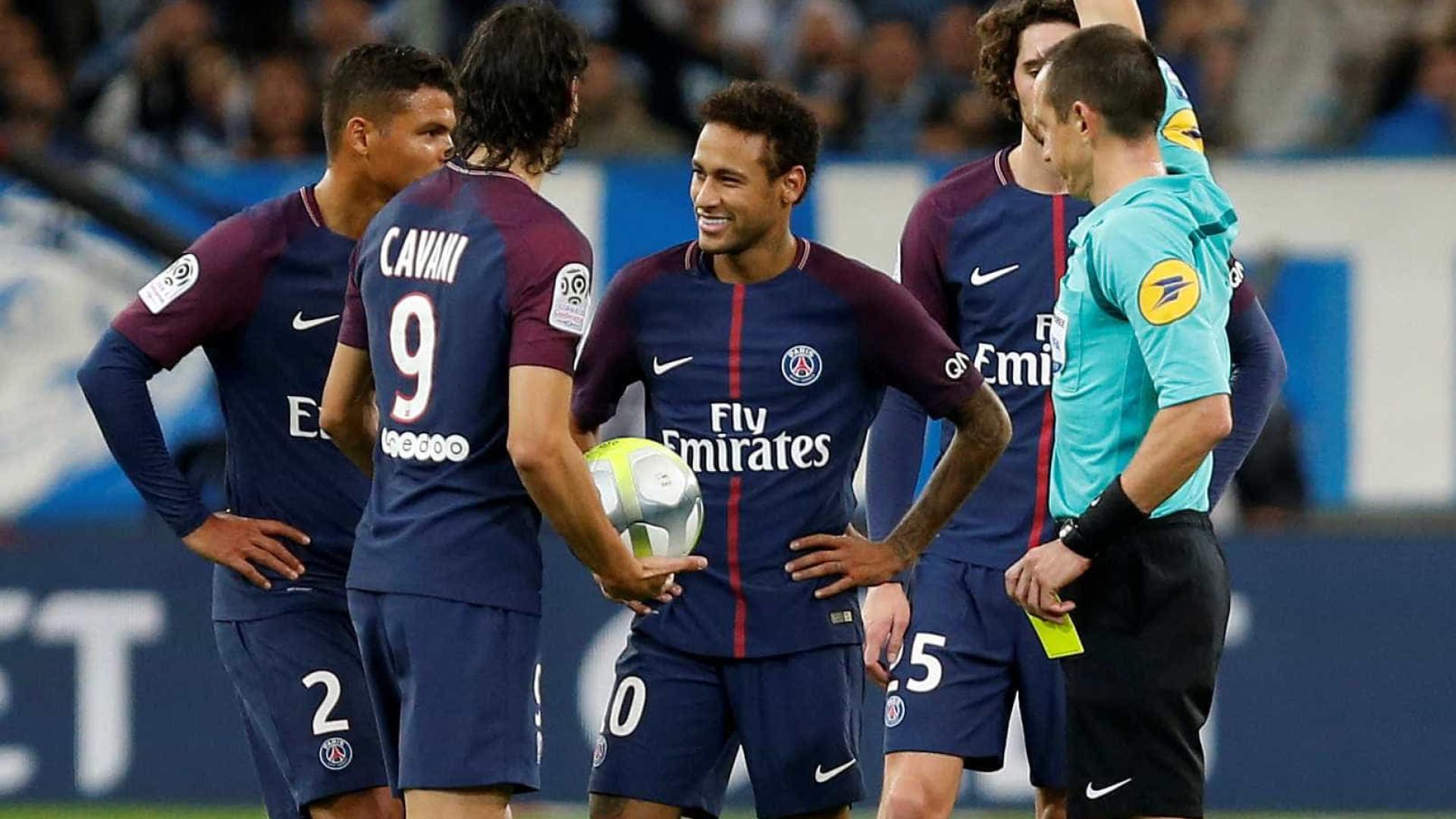 Neymar marca, é expulso, mas Cavani arranca empate e salva o PSG