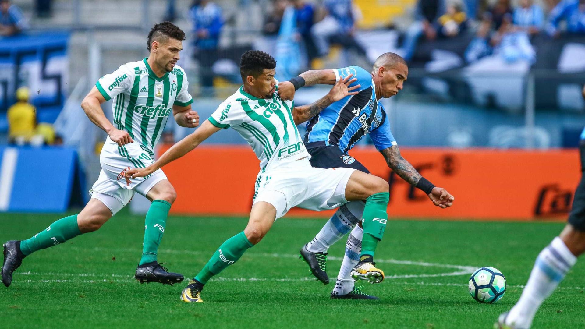 Palmeiras atropela Grêmio em Porto Alegre e pressiona líder Corinthians
