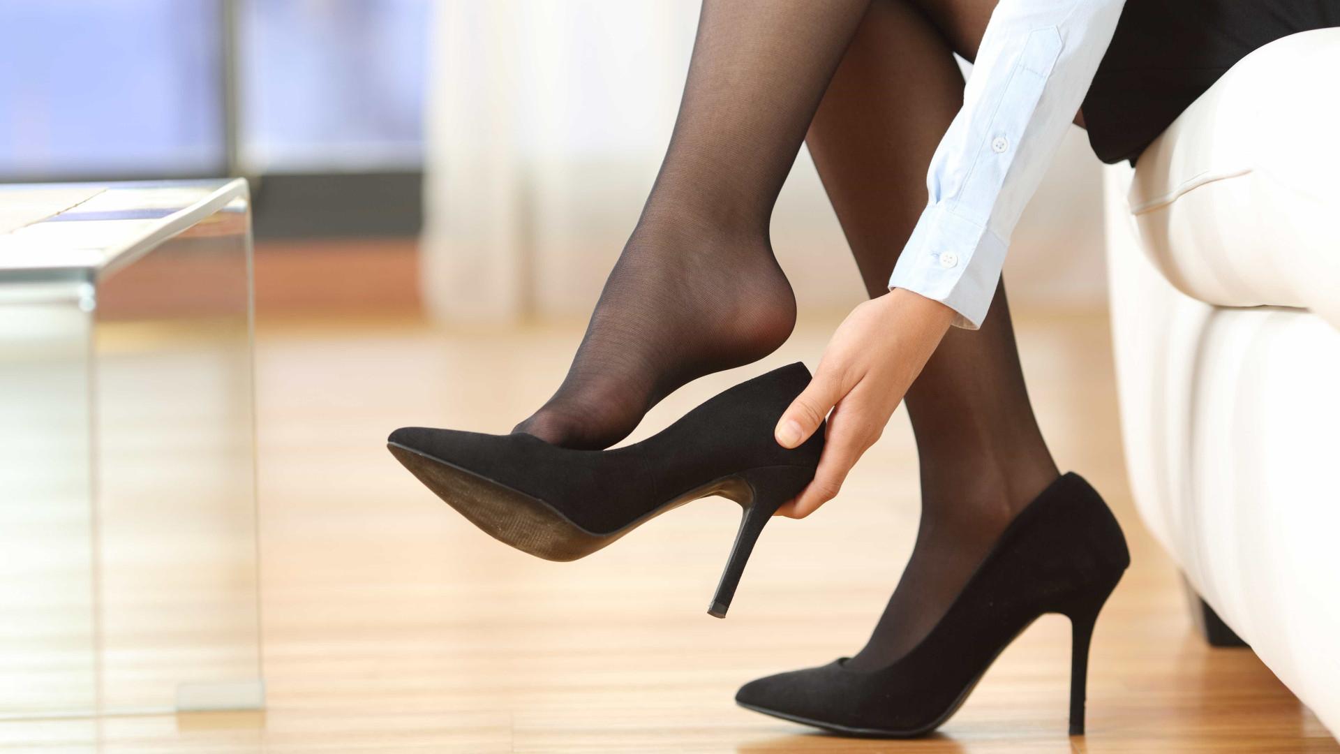 5 bons motivos para você tirar o sapato assim que entrar em casa