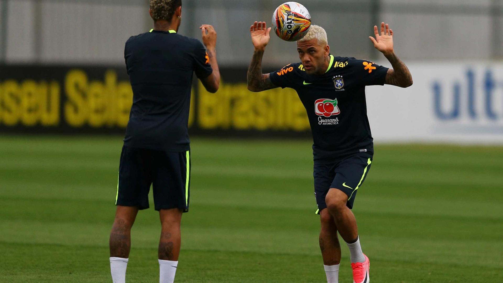 Daniel Alves, Marcelo e Neymar entram em seleção do ano da Fifa