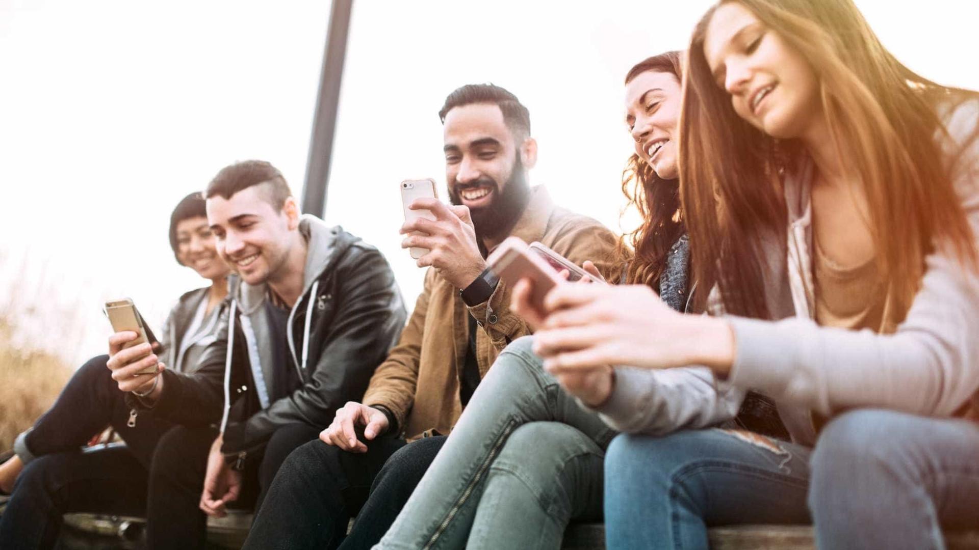 Atenção, jovens: agora a adolescência dura até os 24 anos