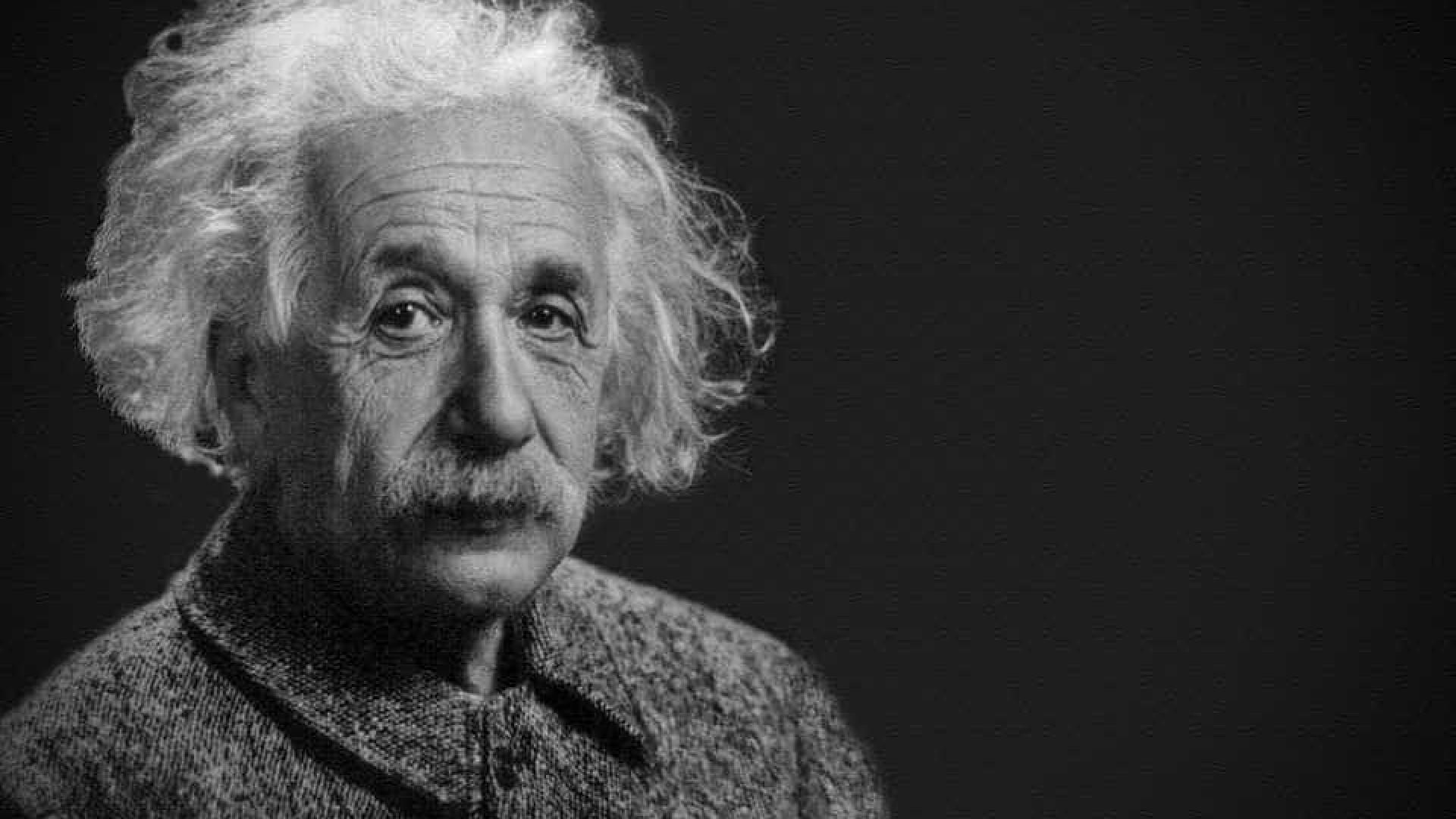 Astrônomos provam que teoria de Einstein é válida em outras galáxias