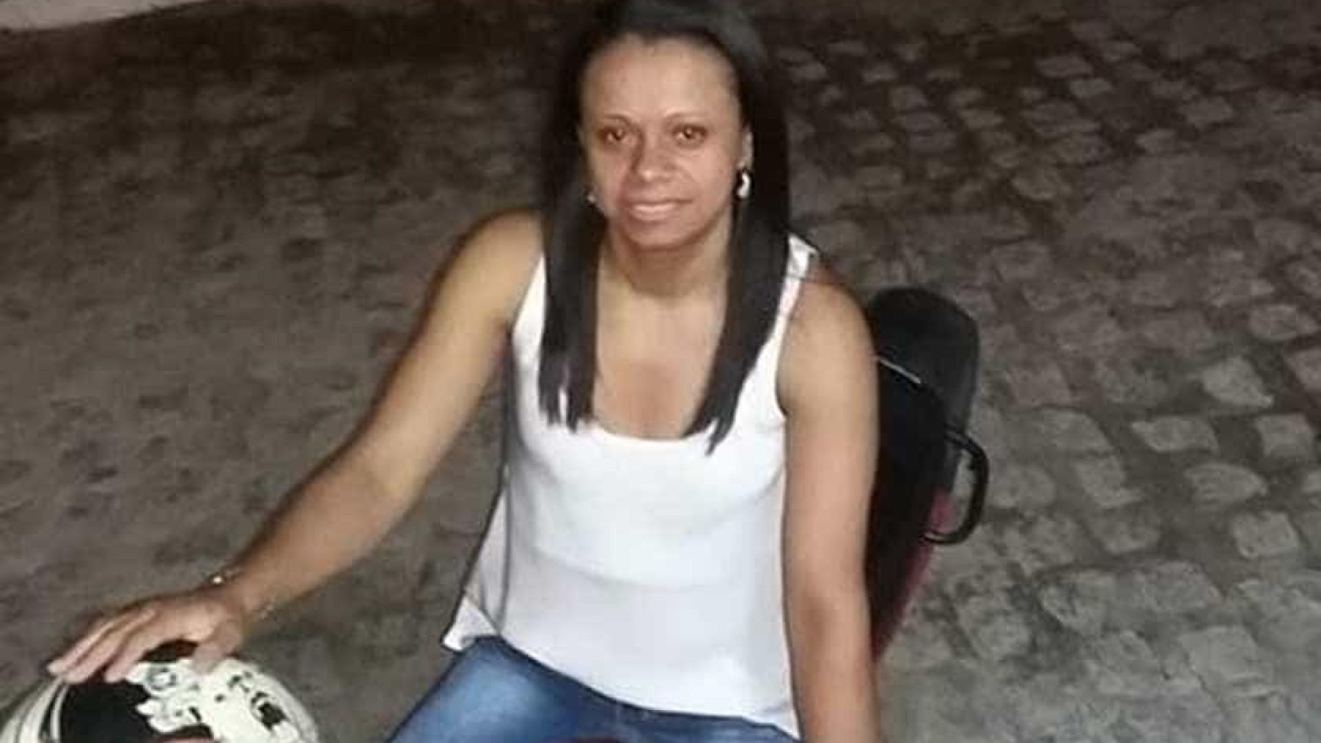 Adolescente mata a mãe e publica post de luto nas redes sociais