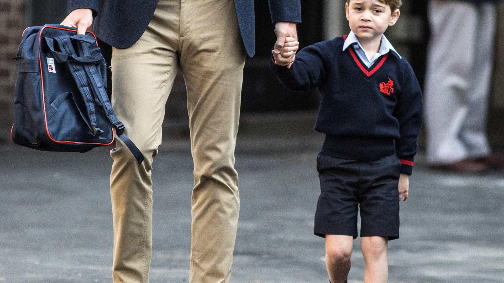 Príncipe George pede carro de polícia ao Papai Noel