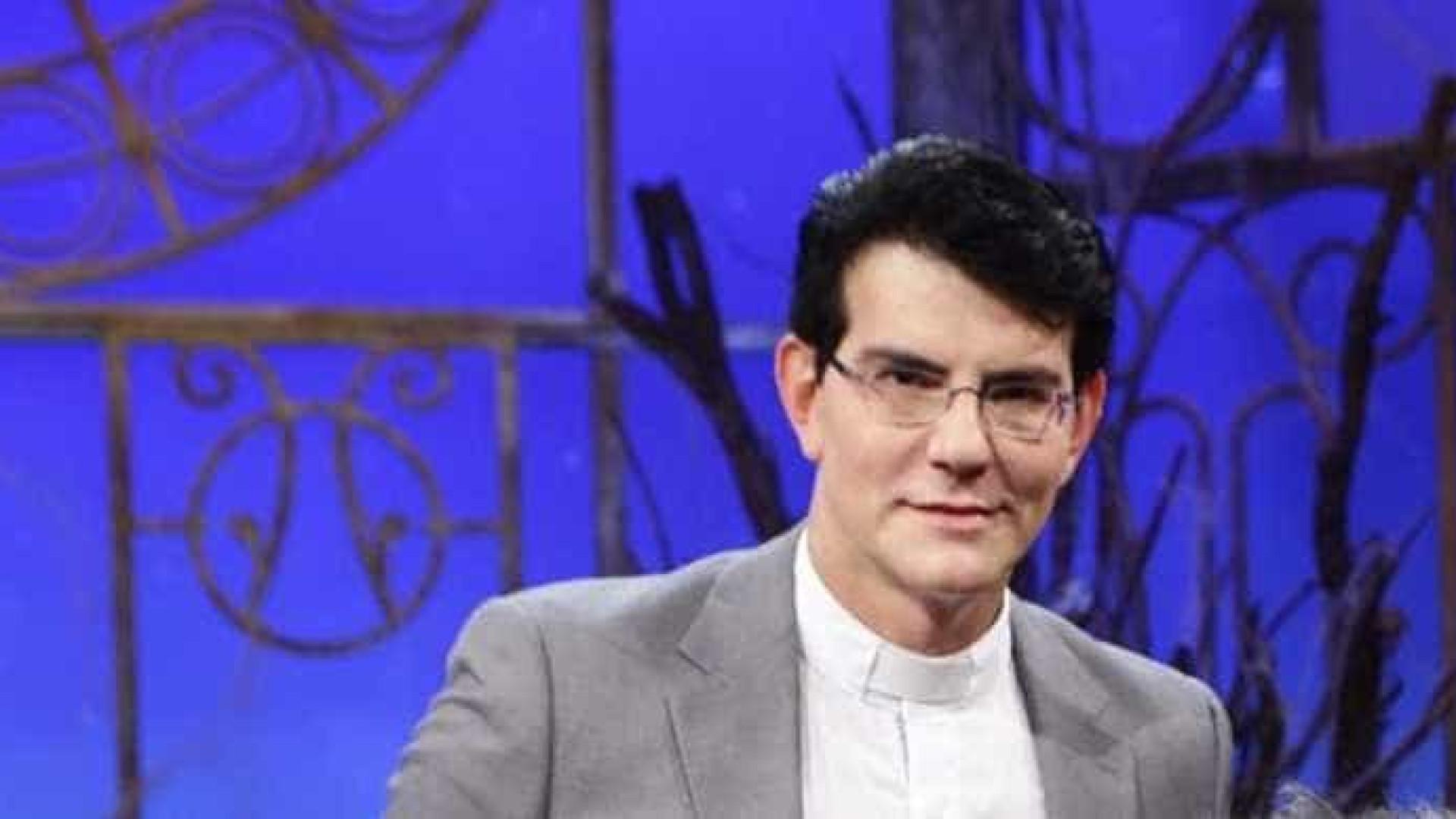 Padre Manzotti detalha macumba que recebeu: 'Mandei um bicudão'
