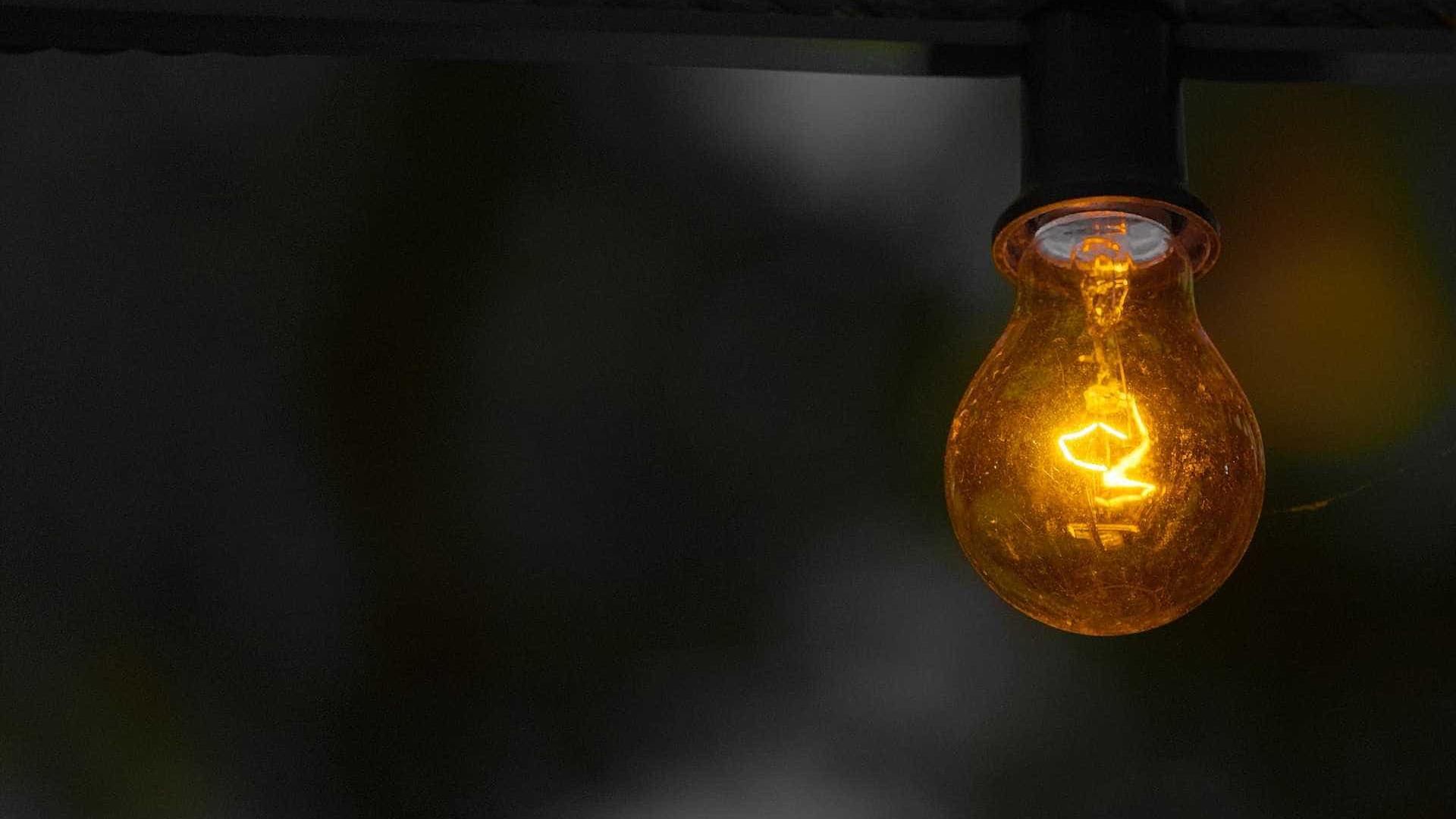 Conta de luz pode subir mais de 20%, estima Aneel