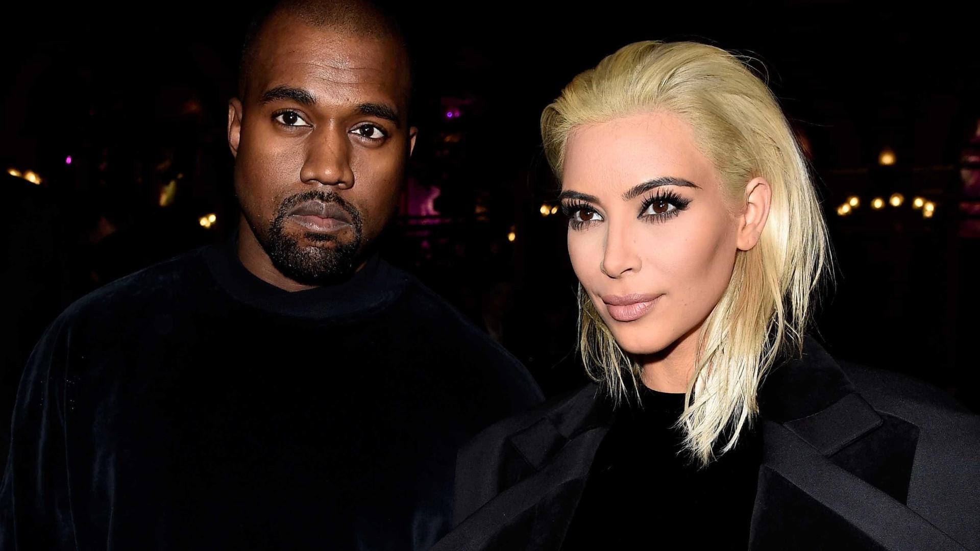 Kim e Kanye fazem 'poucas visitas' à barriga de aluguel, diz site