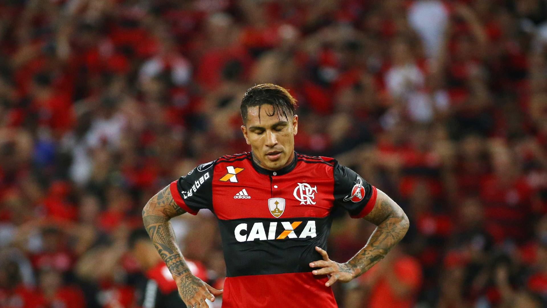 Flamengo suspende contrato de Paolo Guerrero
